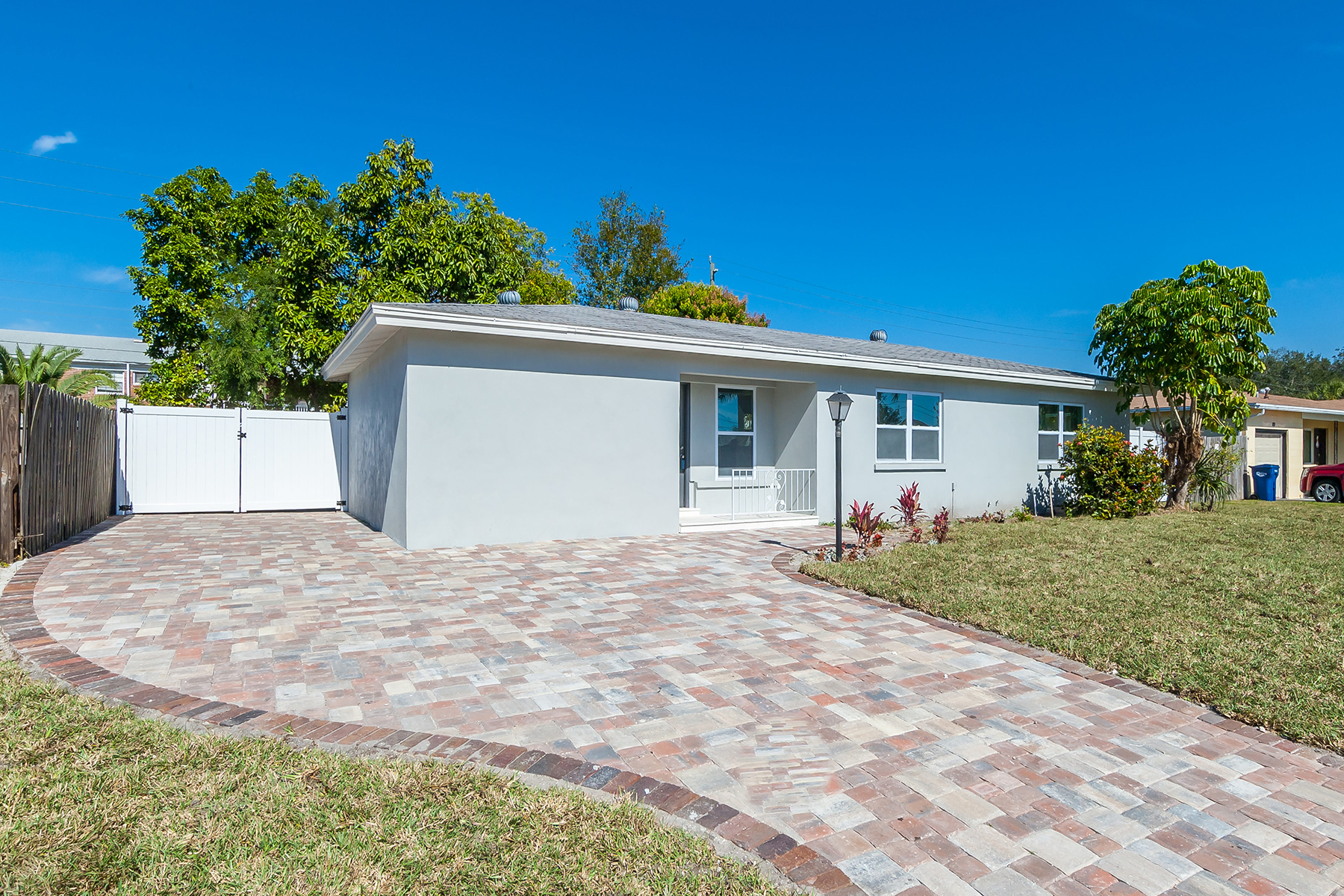 独户住宅 为 销售 在 906 Orlando Ave , Bradenton, FL 34207 906 Orlando Ave, 布雷登顿, 佛罗里达州, 34207 美国