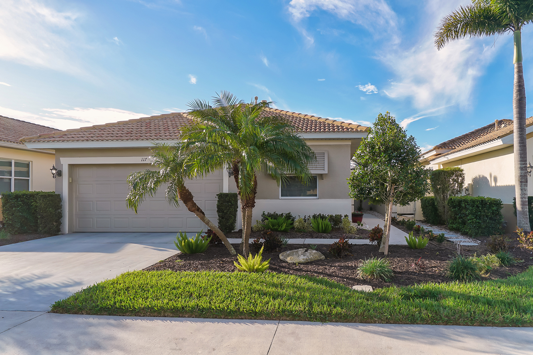 Single Family Home for Sale at VENETIAN GOLF & RIVER CLUB 117 Mestre Pl, North Venice, Florida, 34275 United States