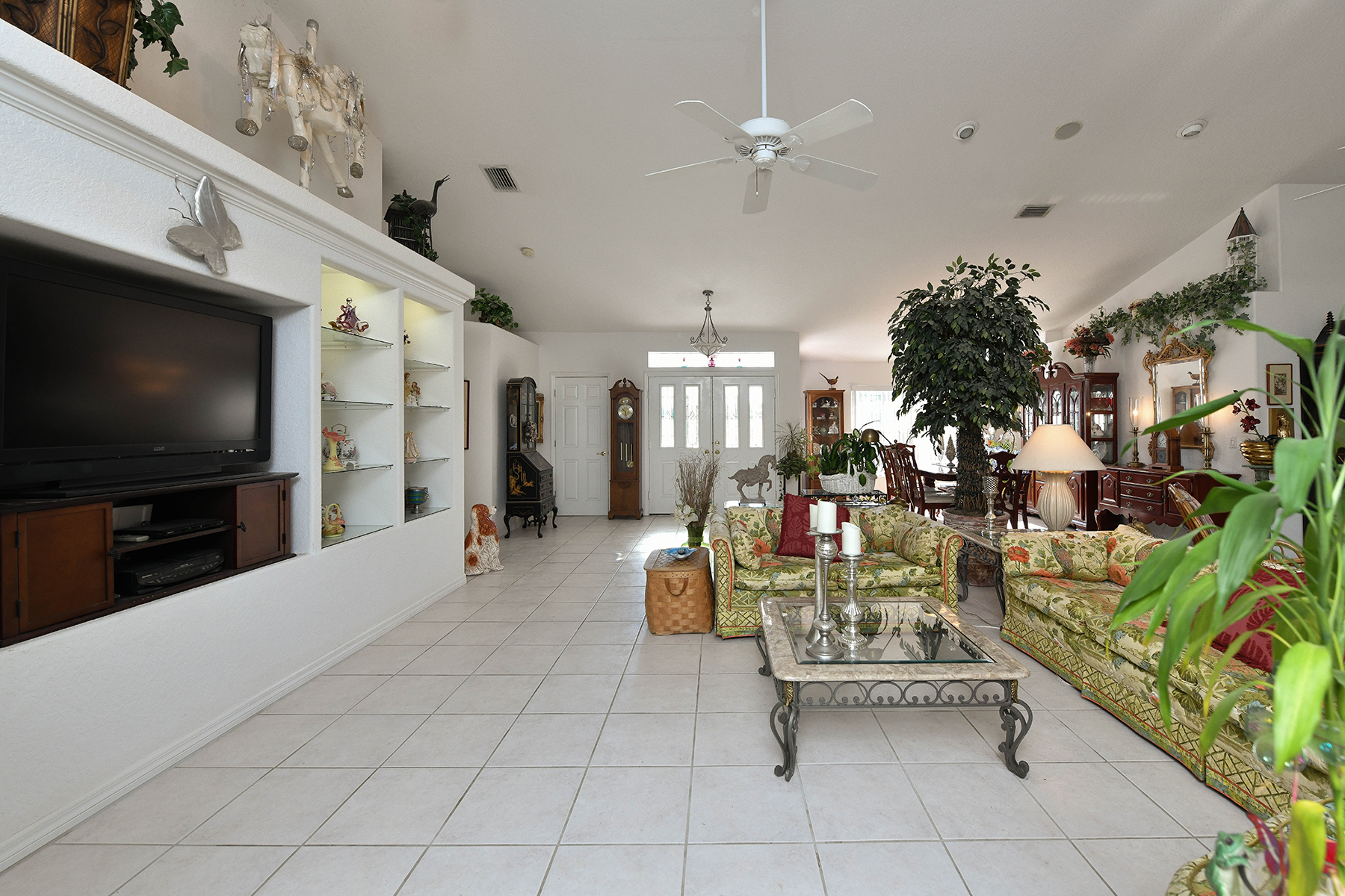 Additional photo for property listing at SORRENTO EAST 4660  Silent Creek Way,  Nokomis, Florida 34275 United States