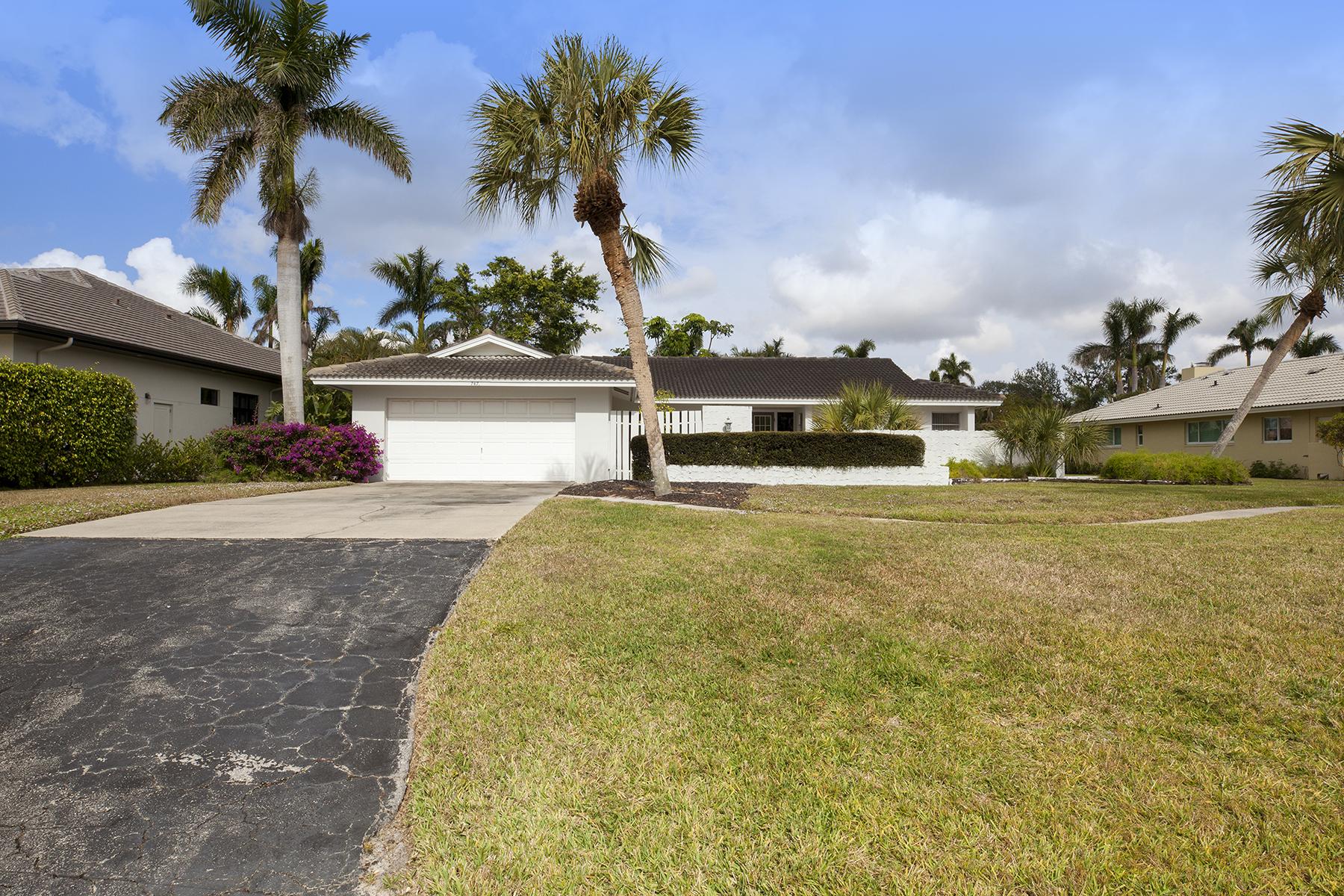 Single Family Home for Sale at PARK SHORE - PARK SHORE 747 Park Shore Dr, Naples, Florida 34103 United States