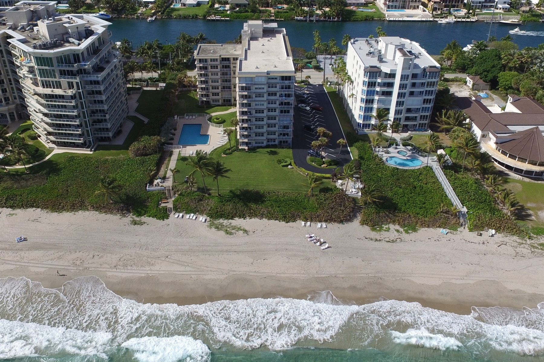 Copropriété pour l Vente à 1069 Hillsboro Mile , 903, Hillsboro Beach, FL 330 1069 Hillsboro Mile 903 Hillsboro Beach, Florida, 33062 États-Unis
