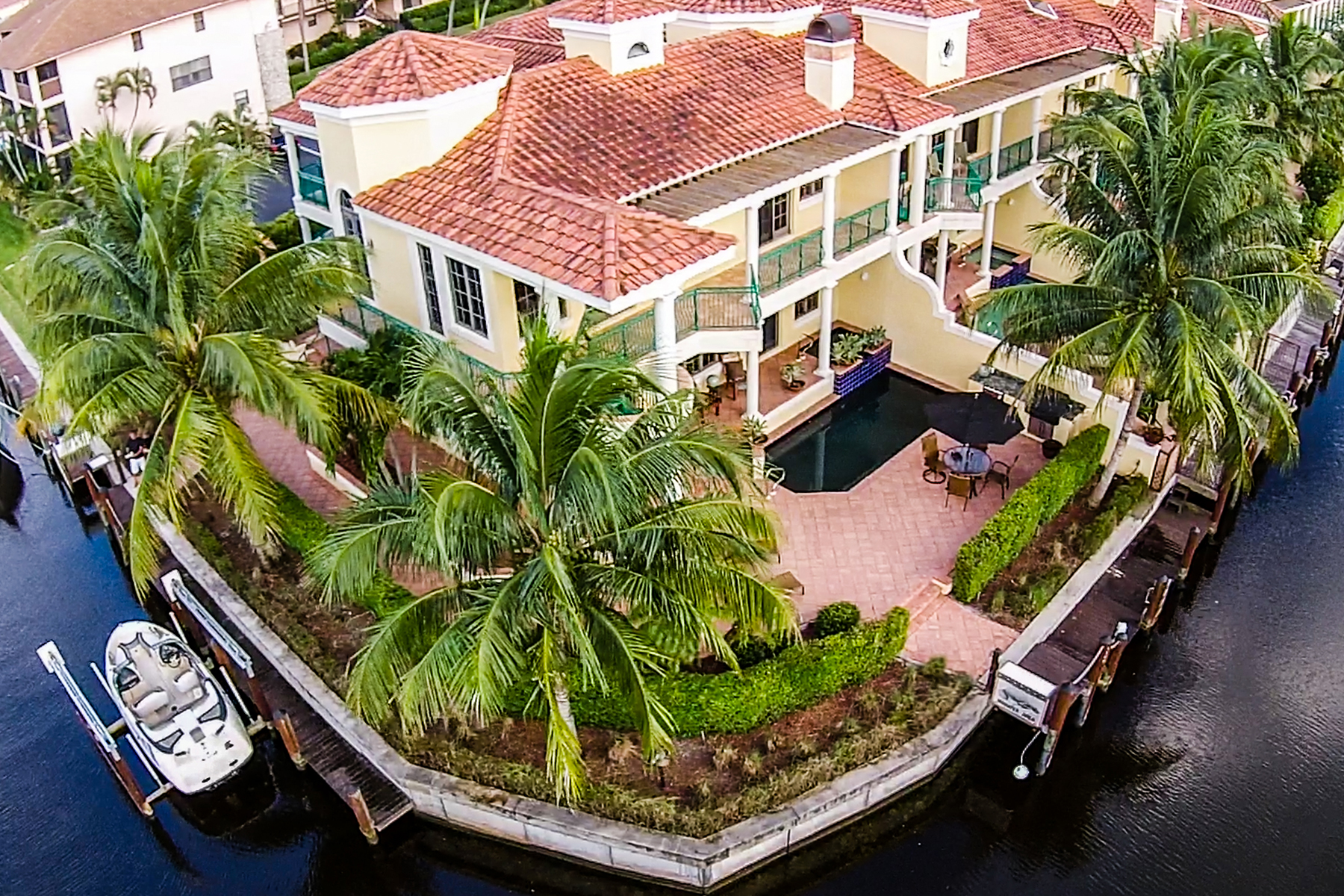 Townhouse for Sale at ROYAL HARBOR 1100 Clam Ct 9, Naples, Florida 34102 United States