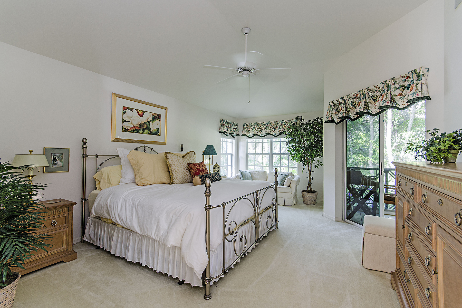 Additional photo for property listing at SAN MARINO  PELICAN BAY 6855  San Marino Dr 201B,  Naples, Florida 34108 United States