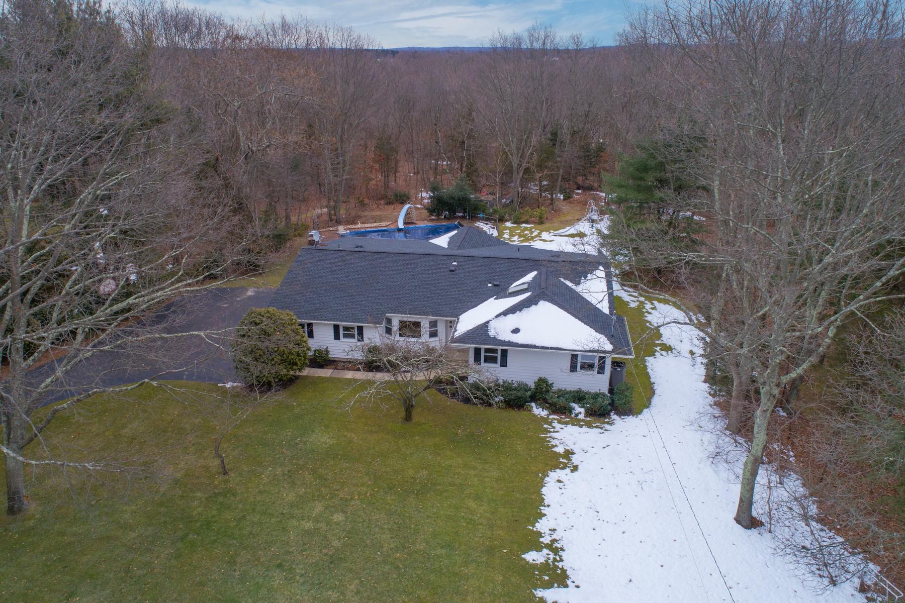 独户住宅 为 销售 在 225 Laurel Ln , Laurel Hollow, NY 11791 225 Laurel Ln, Laurel Hollow, 纽约州, 11791 美国