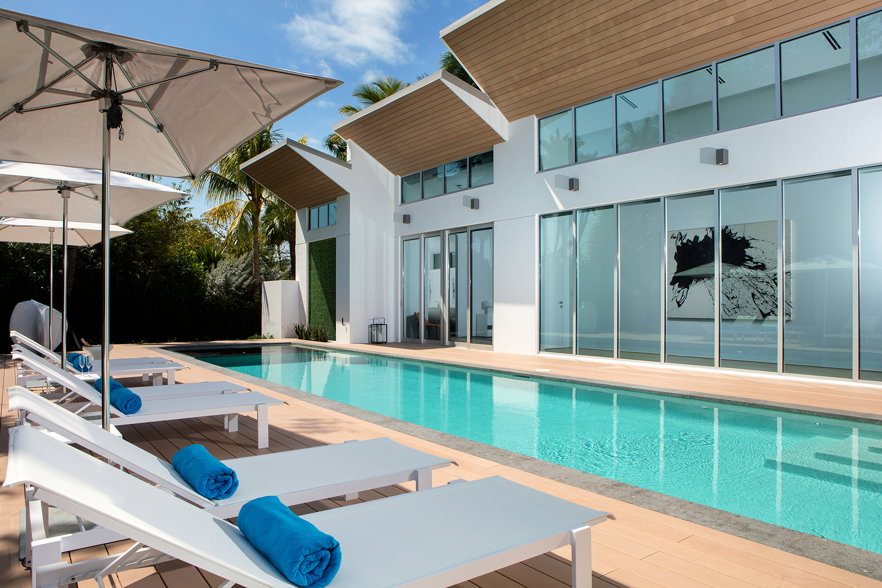 Additional photo for property listing at AQUALANE SHORES 2211  South Winds Dr,  Naples, Florida 34102 United States