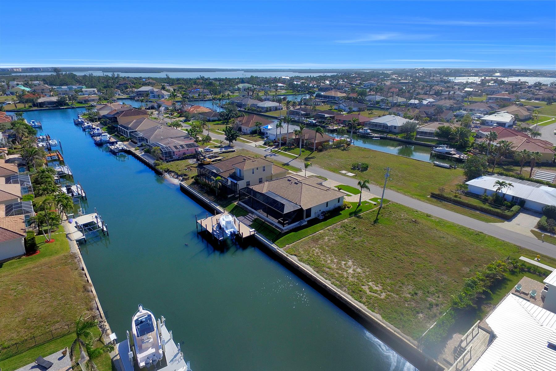 Земля для того Продажа на MARCO ISLAND 1608 Barbarosa Ct, Marco Island, Флорида, 34145 Соединенные Штаты