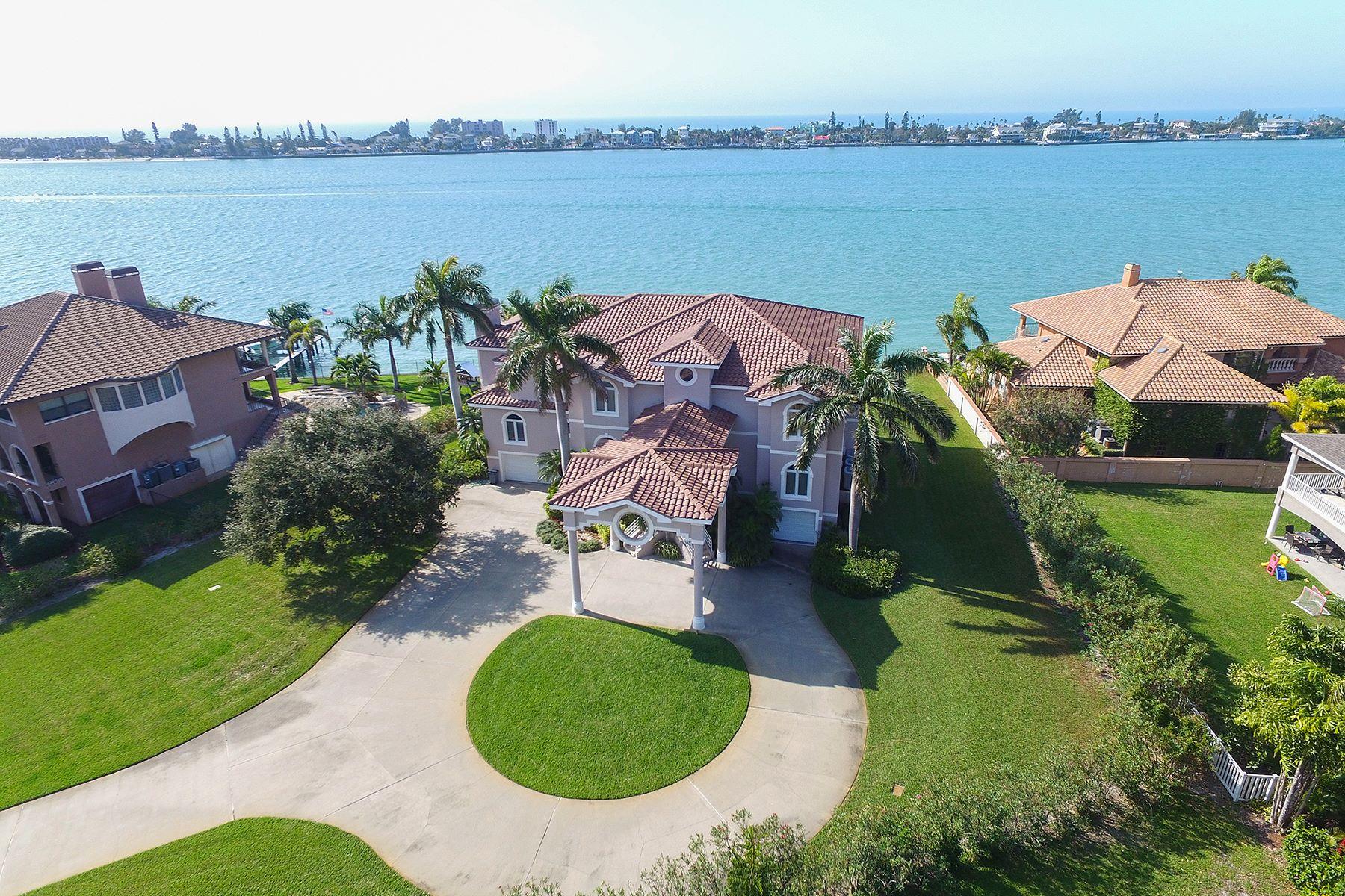 Maison unifamiliale pour l Vente à TIERRA VERDE 614 Columbus Dr Tierra Verde, Florida, 33715 États-Unis