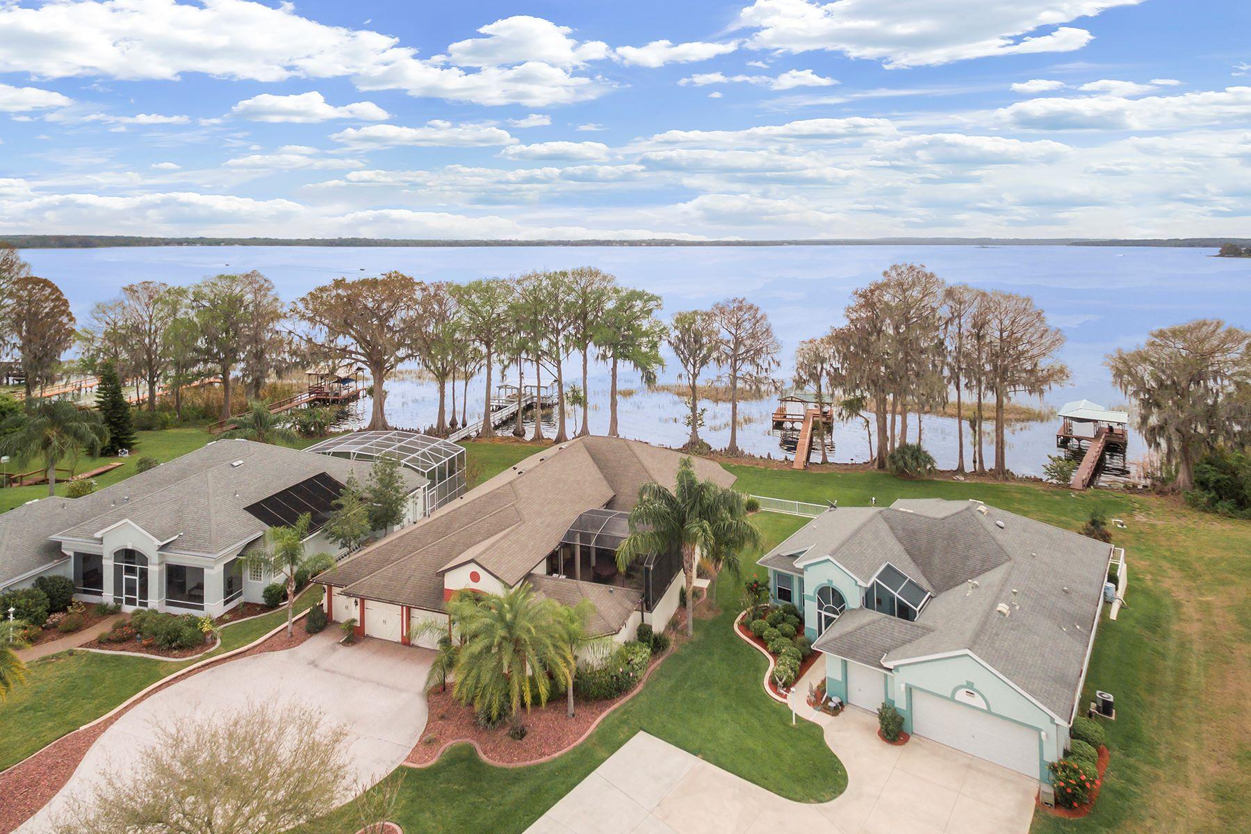 Casa Unifamiliar por un Venta en 6392 Sailboat Ave , Tavares, FL 32778 6392 Sailboat Ave Tavares, Florida, 32778 Estados Unidos