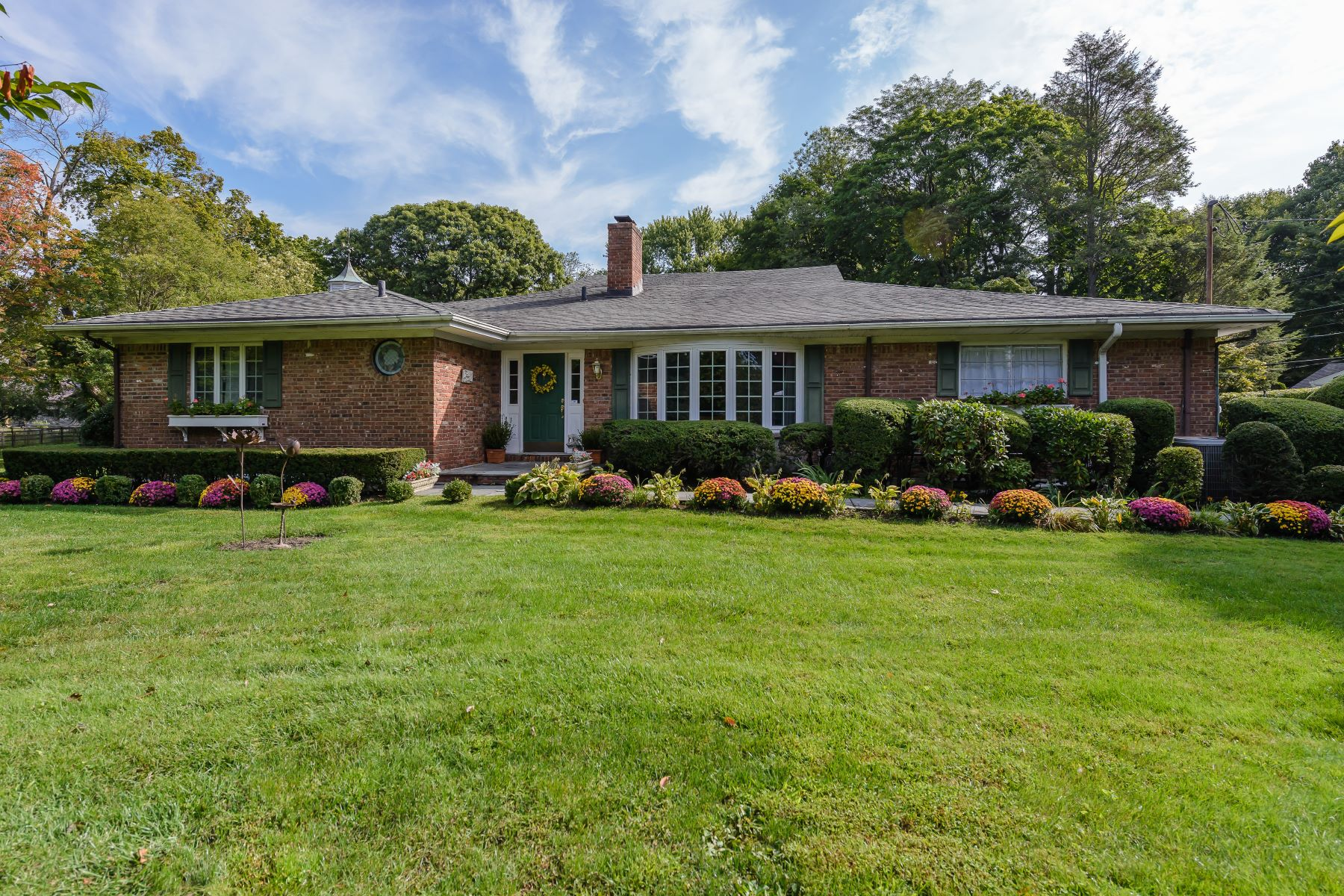Single Family Home for Sale at 2 Knoll Rd , Sands Point, NY 11050 2 Knoll Rd, Sands Point, New York, 11050 United States