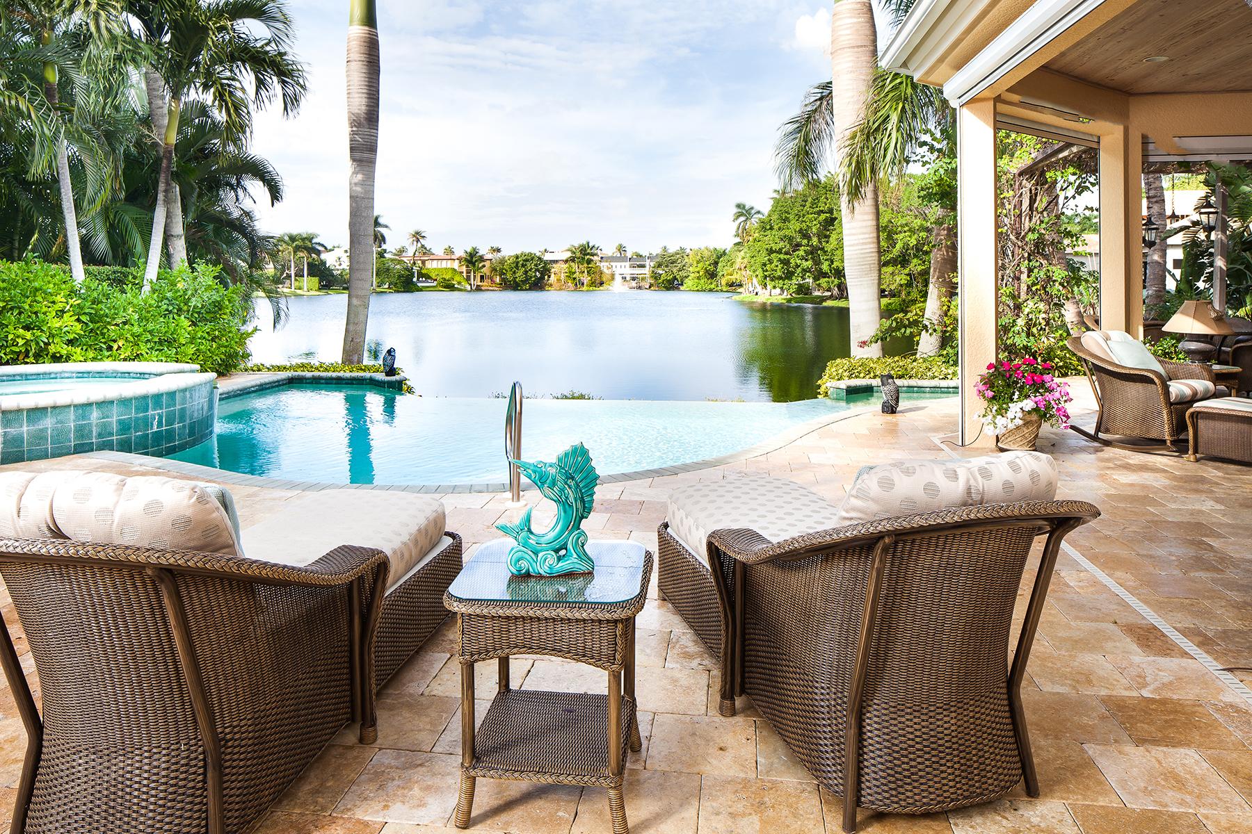 Nhà ở một gia đình vì Bán tại Naples 531 8th Ave S Naples, Florida, 34102 Hoa Kỳ