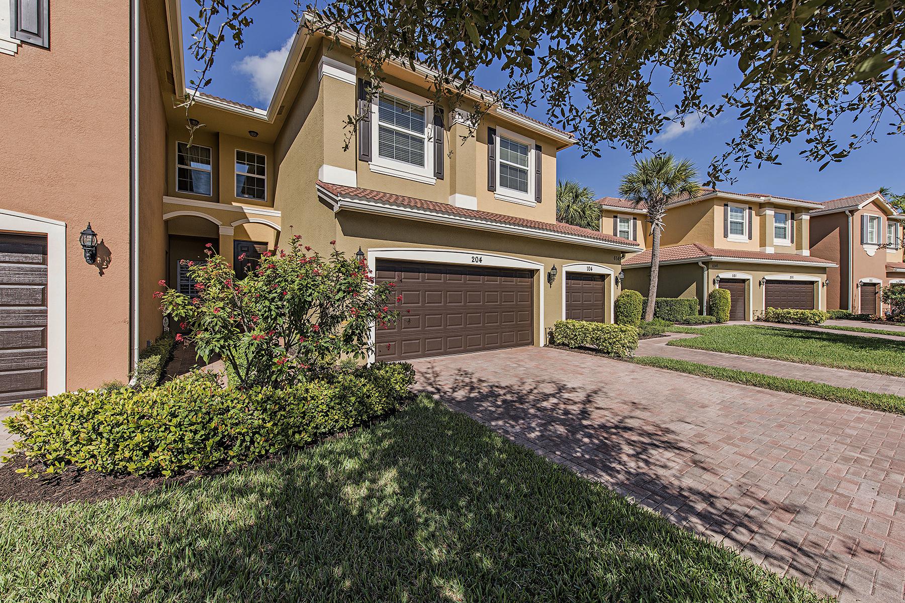 Кондоминиум для того Продажа на MARBELLA LAKES 6549 Monterey Pt 204 Naples, Флорида, 34105 Соединенные Штаты