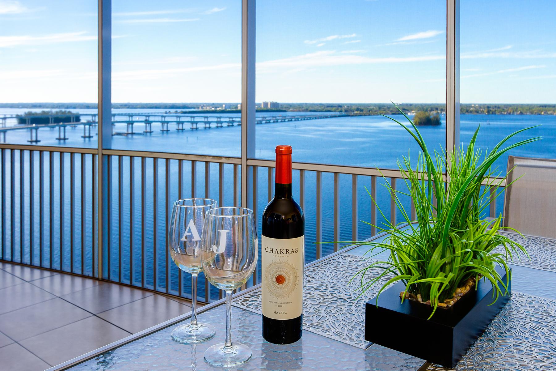 Condominio por un Venta en ST. TROPEZ 2745 1st St 1602 Fort Myers, Florida, 33916 Estados Unidos