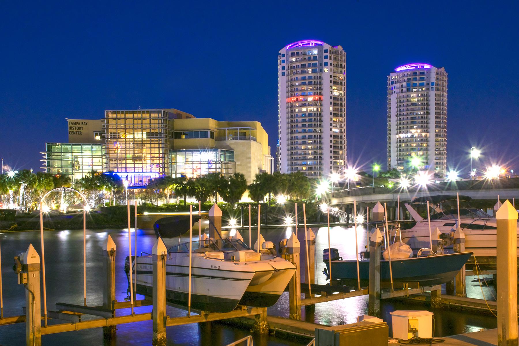 共管式独立产权公寓 为 销售 在 CHANNELSIDE 449 S 12th St 703 坦帕市, 佛罗里达州 33602 美国