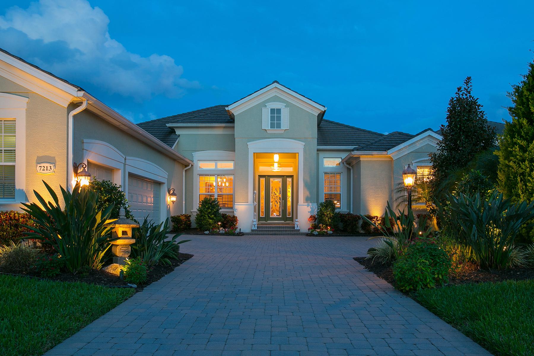 Nhà ở một gia đình vì Bán tại LAKEWOOD RANCH COUNTRY CLUB 7213 Greystone St Lakewood Ranch, Florida, 34202 Hoa Kỳ