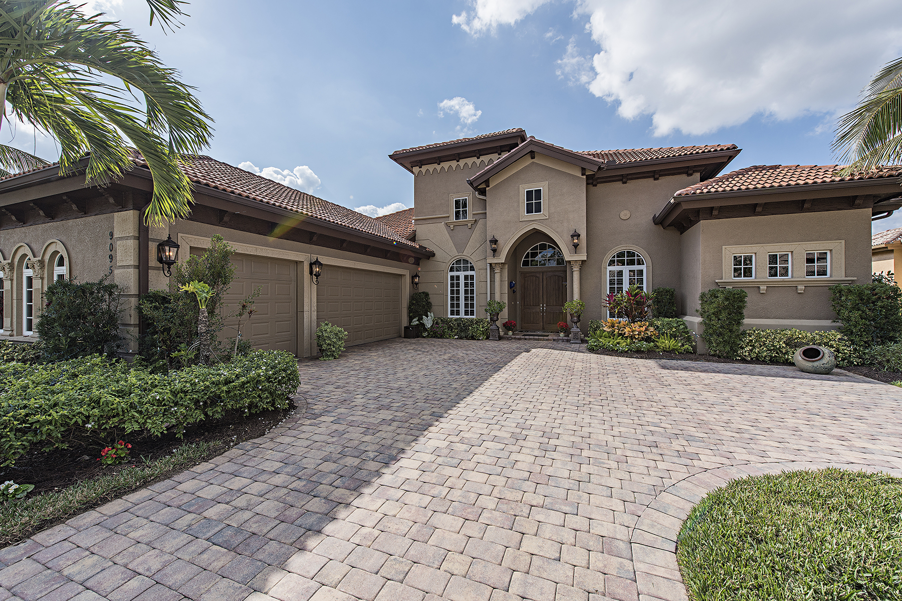 Single Family Home for Sale at LELY RESORT - MAJORS 9095 Sahalee Ct, Naples, Florida 34113 United States