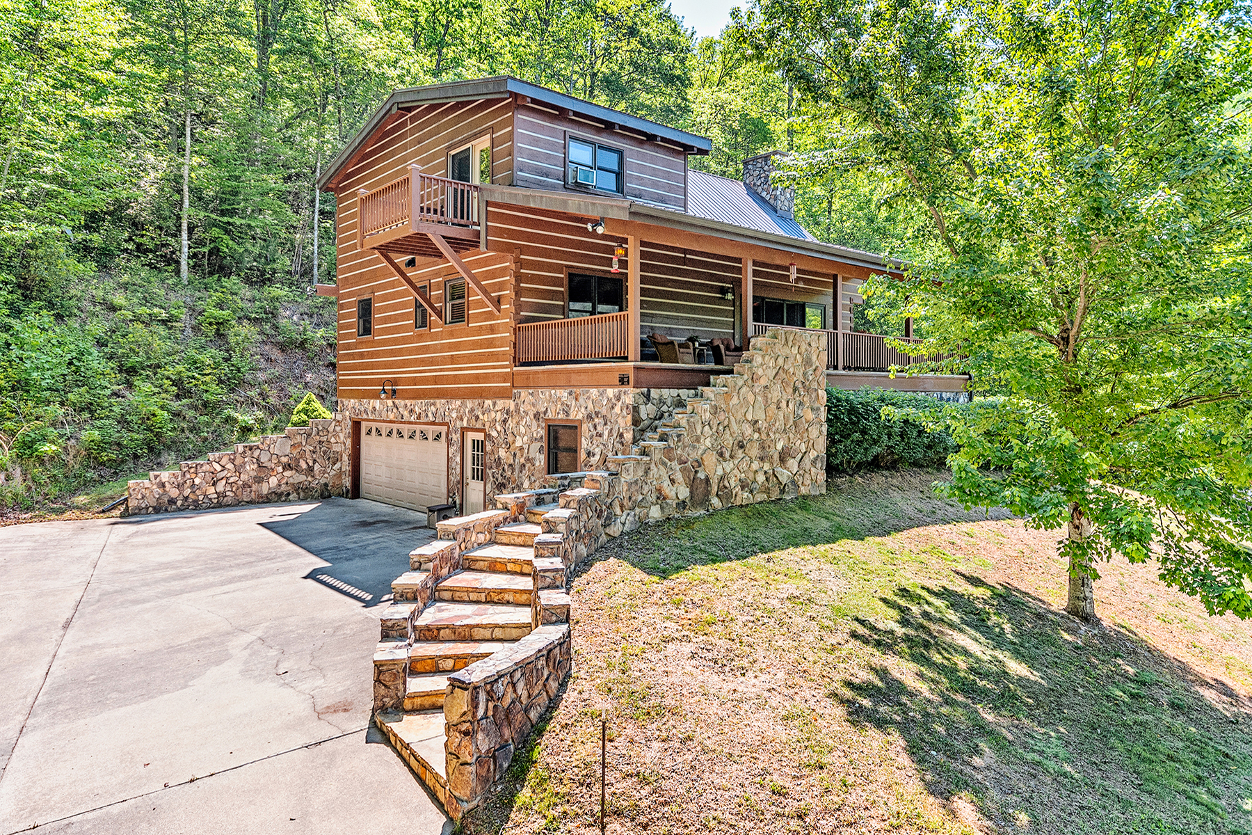 Single Family Home for Sale at FRANKLIN 3060 Tellico Rd, Franklin, North Carolina 28734 United States
