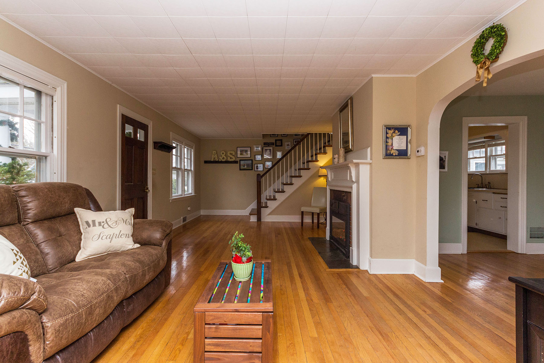Additional photo for property listing at Natural Beauty on Wood Terrace 29  Wood Terrace Albany, New York 12208 United States