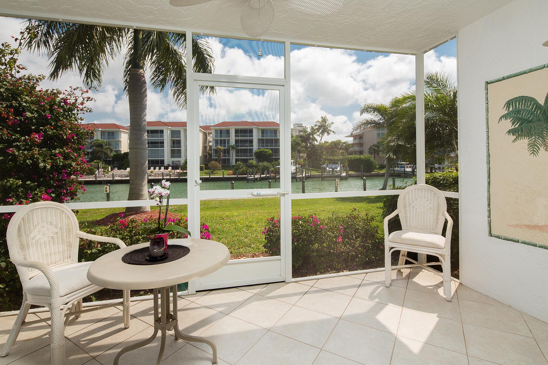 Condominio por un Venta en MARCO ISLAND 860 Panama Ct E 117 Marco Island, Florida, 34145 Estados Unidos