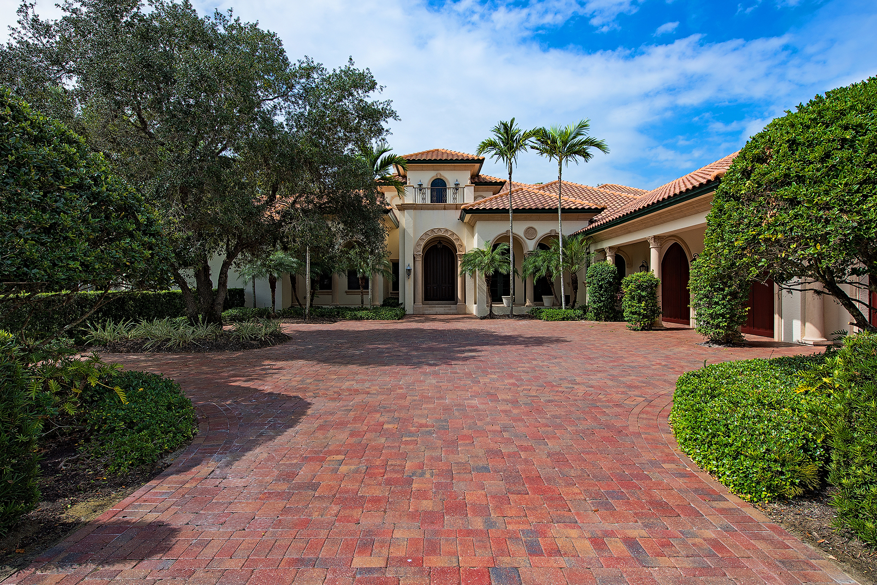 Casa Unifamiliar por un Venta en GREY OAKS - ESTATES AT GREY OAKS 2817 Thistle Way Naples, Florida, 34105 Estados Unidos