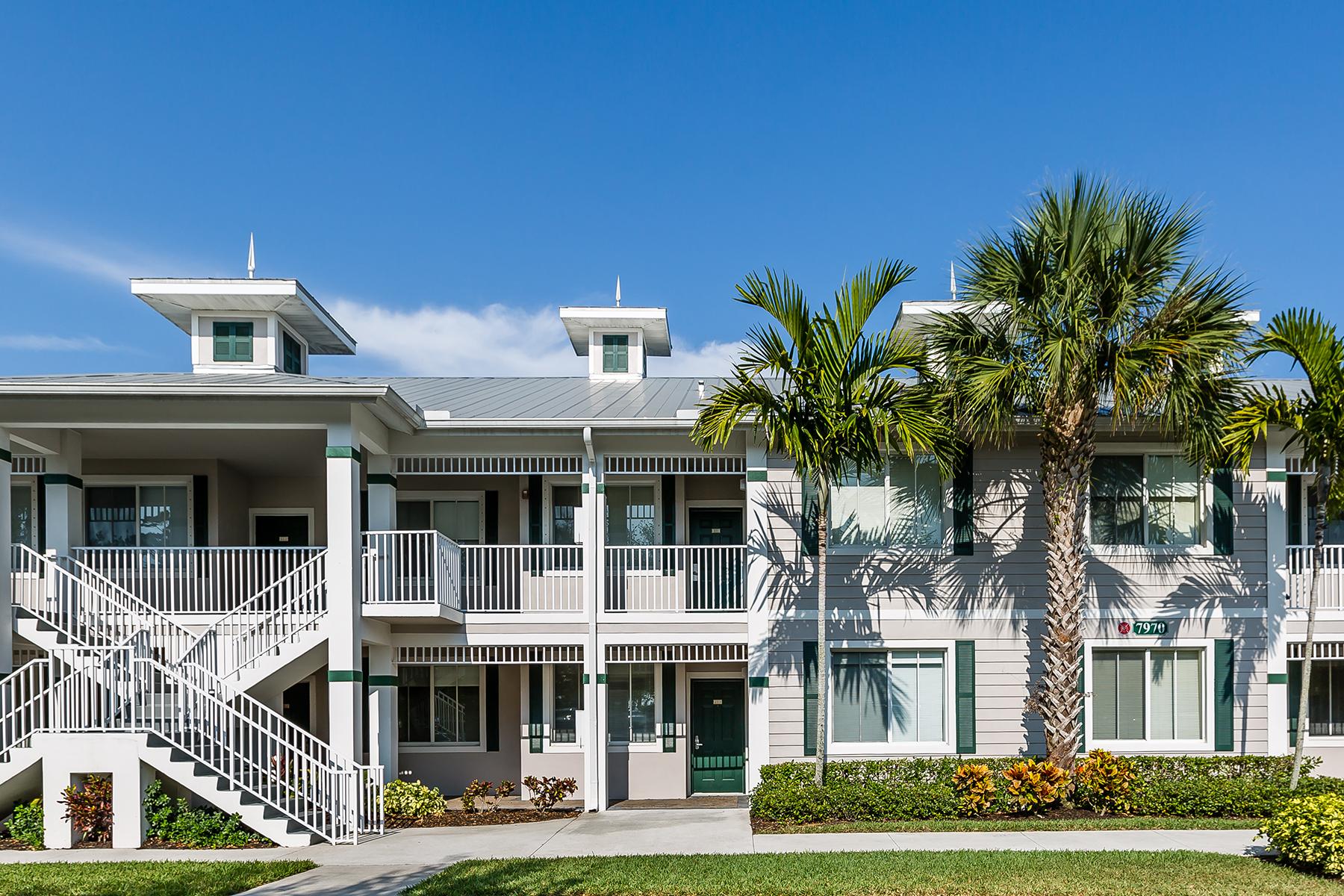 Appartement en copropriété pour l Vente à LELY COUNTRY CLUB 7970 Mahogany Run Ln 223 Naples, Florida, 34113 États-Unis
