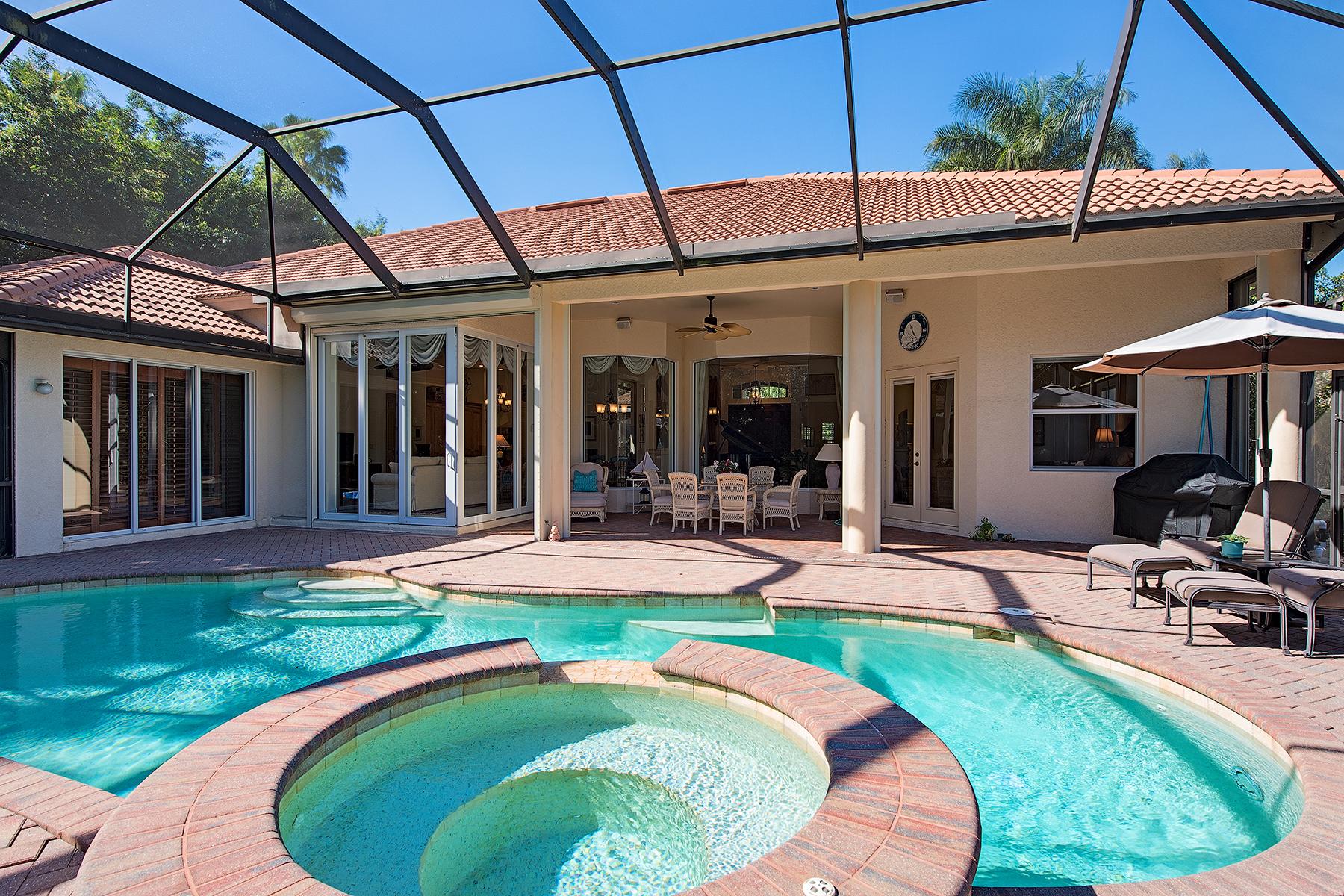 Частный односемейный дом для того Продажа на Naples 2390 Turnberry Ct Naples, Флорида, 34109 Соединенные Штаты