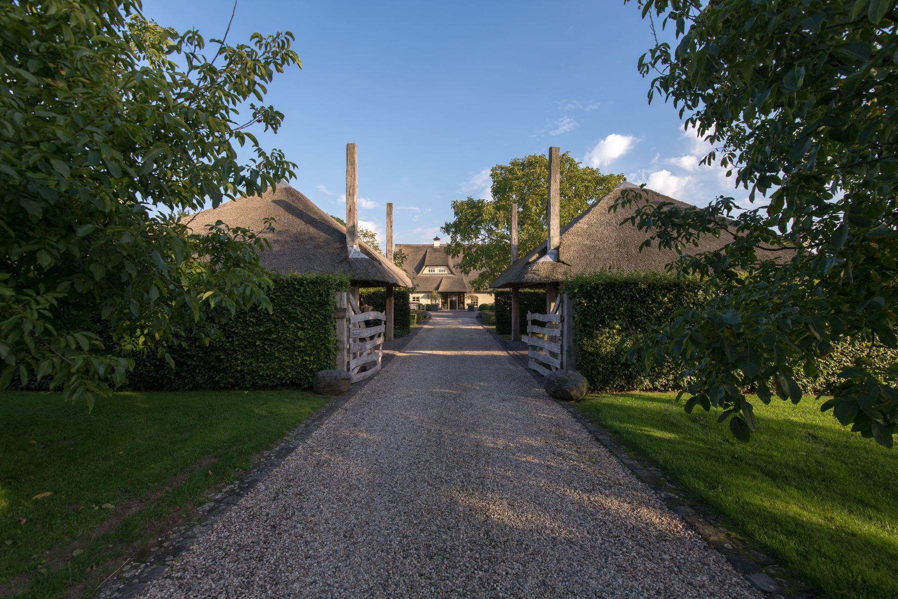 """واحد منزل الأسرة للـ Sale في Beautiful estate """"Kerswerf"""" Lekdijk West 5 Beusichem, Gelderland, 4112 PD Netherlands"""