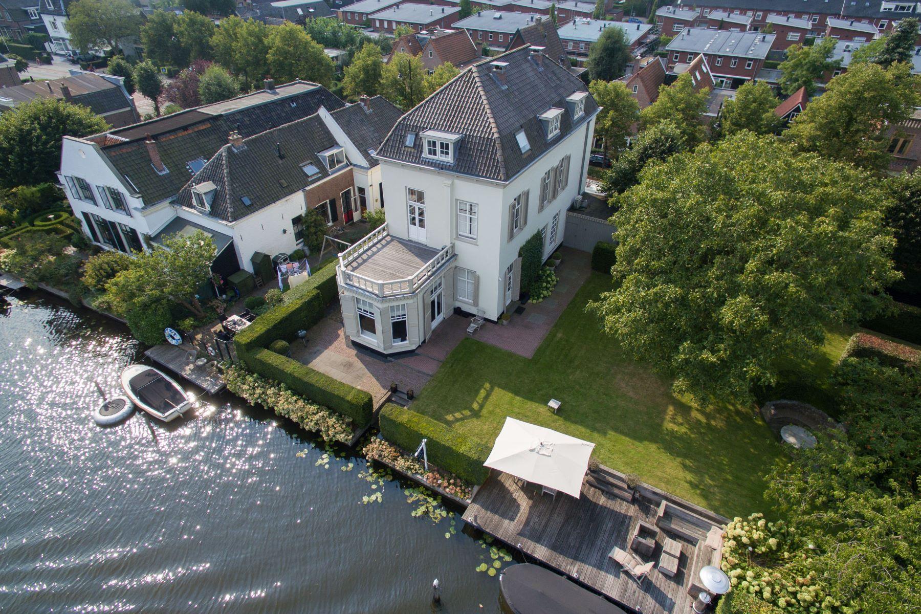 Maison unifamiliale pour l Vente à Historic Mansion Vecht River Straatweg 204 Breukelen, Utrecht, 3621 BX Pays-Bas