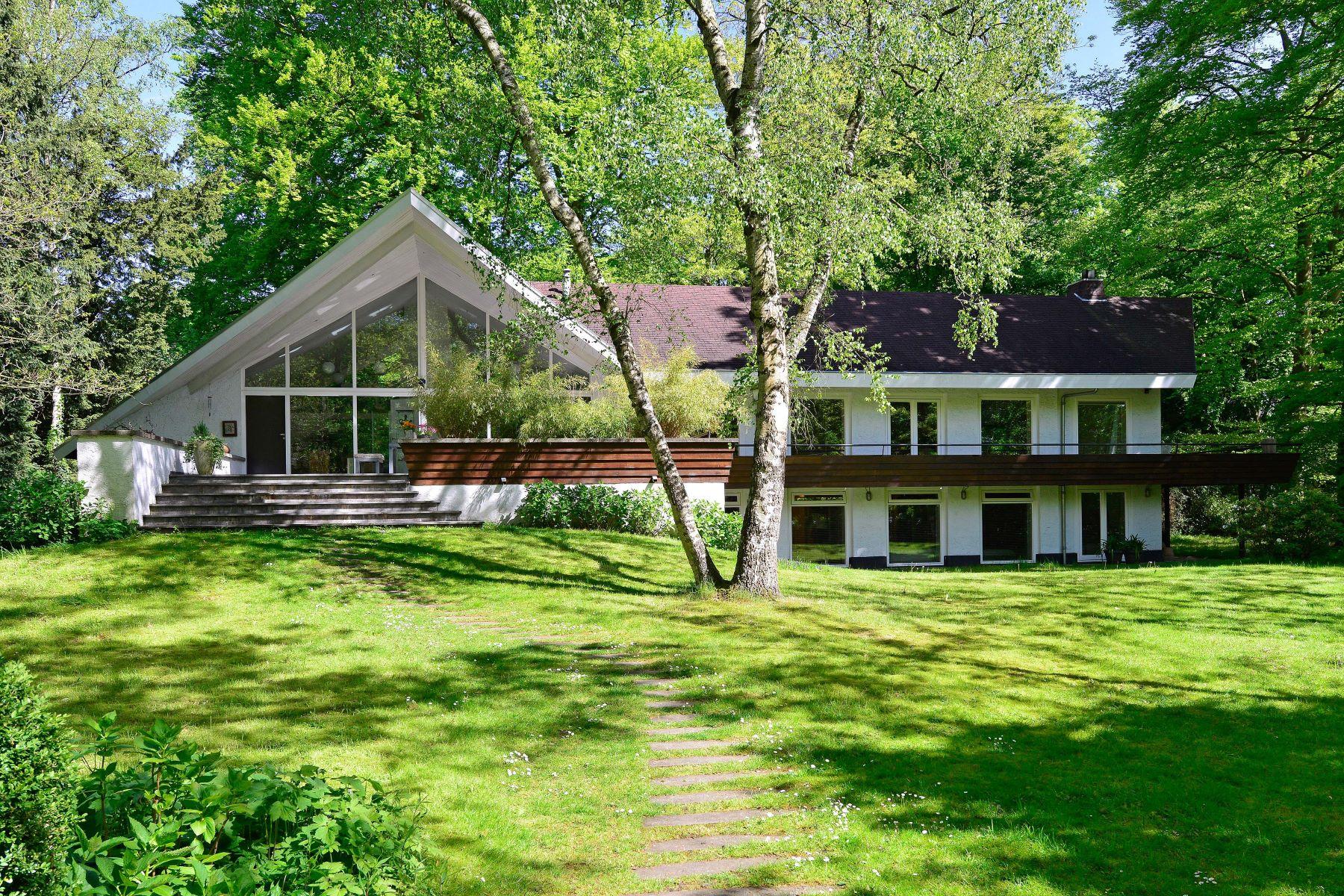 独户住宅 为 销售 在 Villa 'De Orangerie' 's-Gravelandseweg 152A Hilversum, North Holland, 1217 GA 荷兰