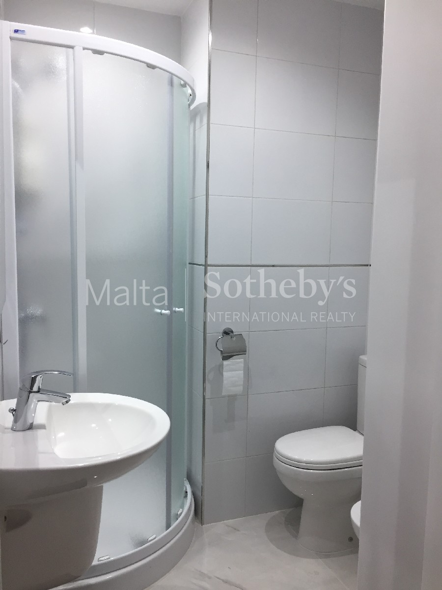 Additional photo for property listing at Apartment St. Julian's, Malta Malta