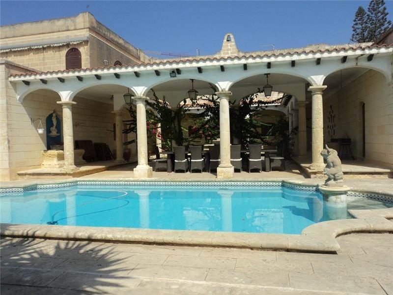 Single Family Home for Sale at Villa Madliena Madliena, Malta