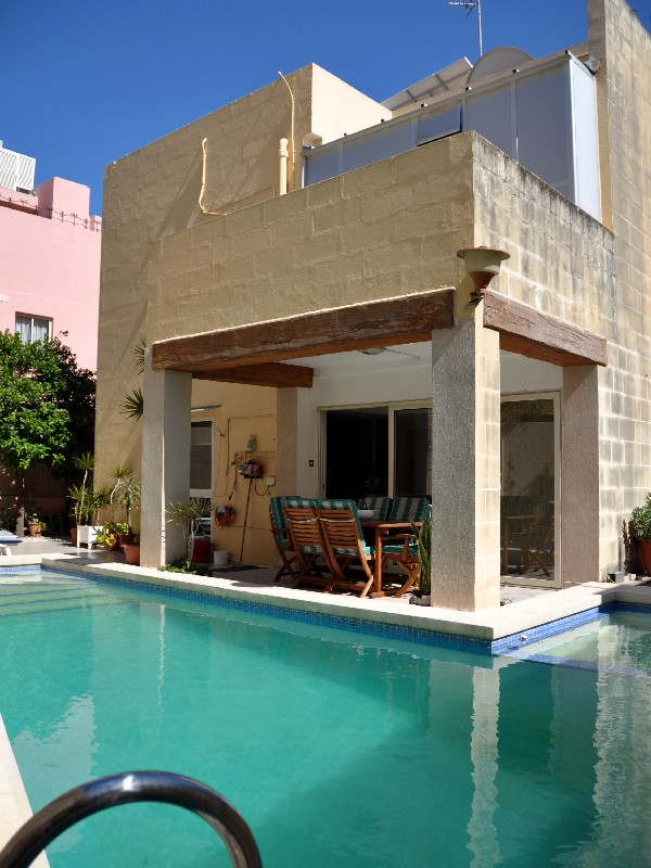 Single Family Home for Rent at Fully Detached Villa With Pool San Gwann, Malta Malta