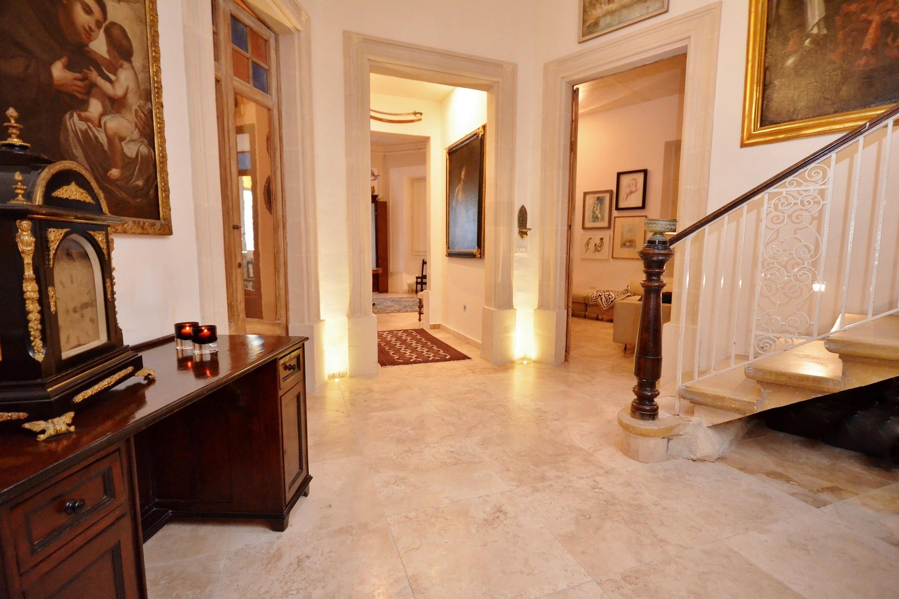 واحد منزل الأسرة للـ Rent في Corner Palazzino Sliema, Malta
