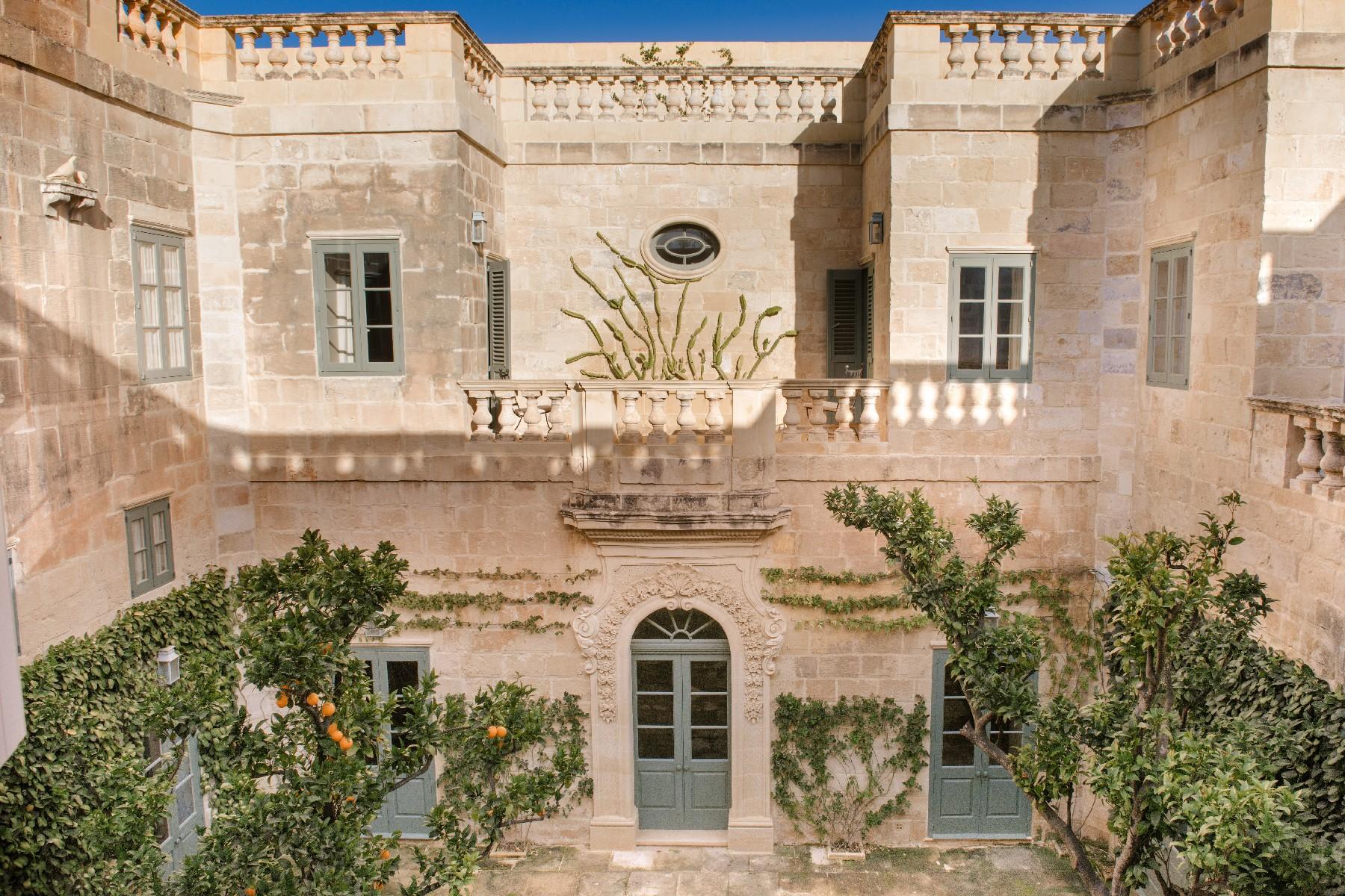 Частный односемейный дом для того Продажа на Palazzo Naxxar, Мальта