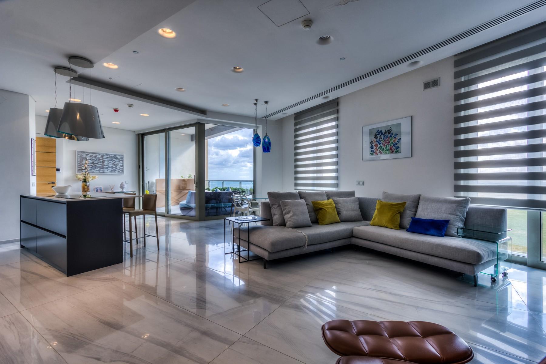 شقة للـ Rent في Sea View Apartment Tigne Point, Sliema, Malta