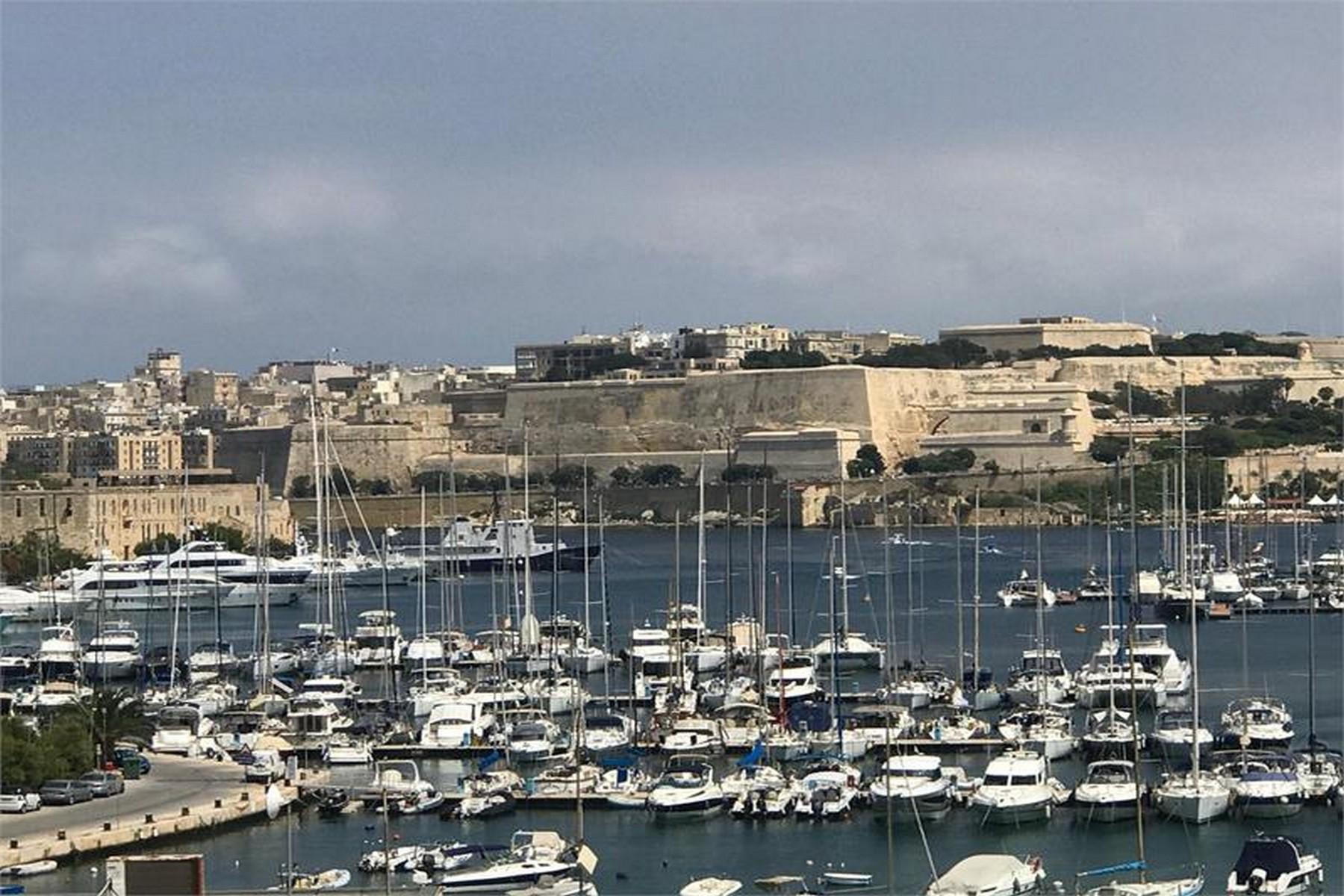 apartments for Rent at Penthouse Gzira, Malta Malta