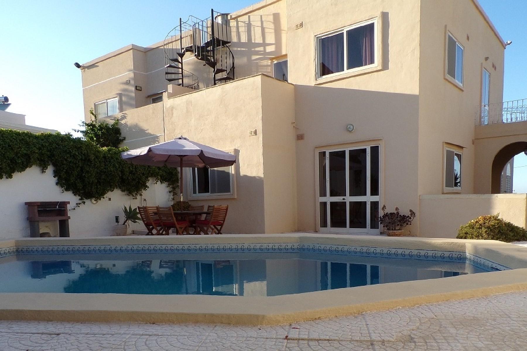 واحد منزل الأسرة للـ Rent في Semi-Detached Villa Madliena, Malta