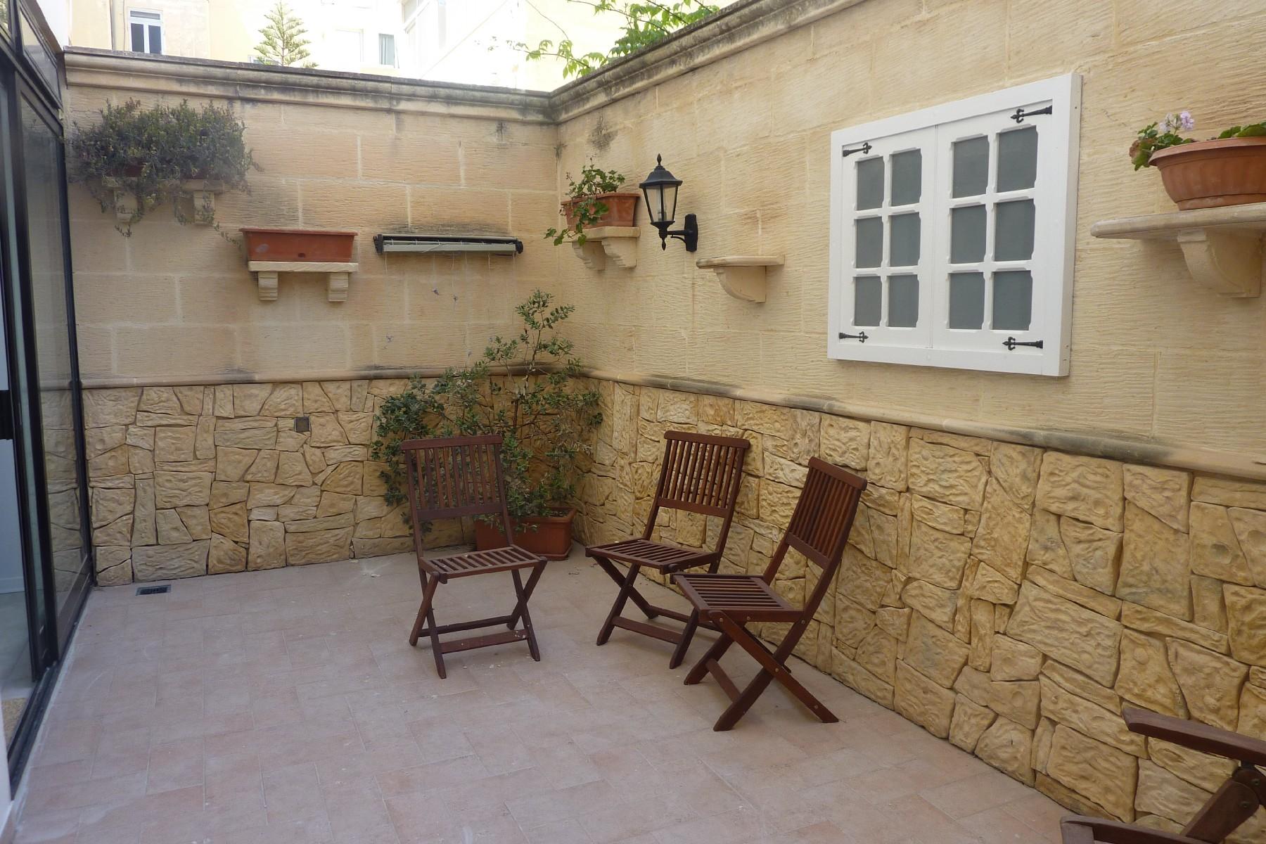Частный односемейный дом для того Аренда на Ibragg, Furnished Duplex Maisonette Ibragg, Мальта