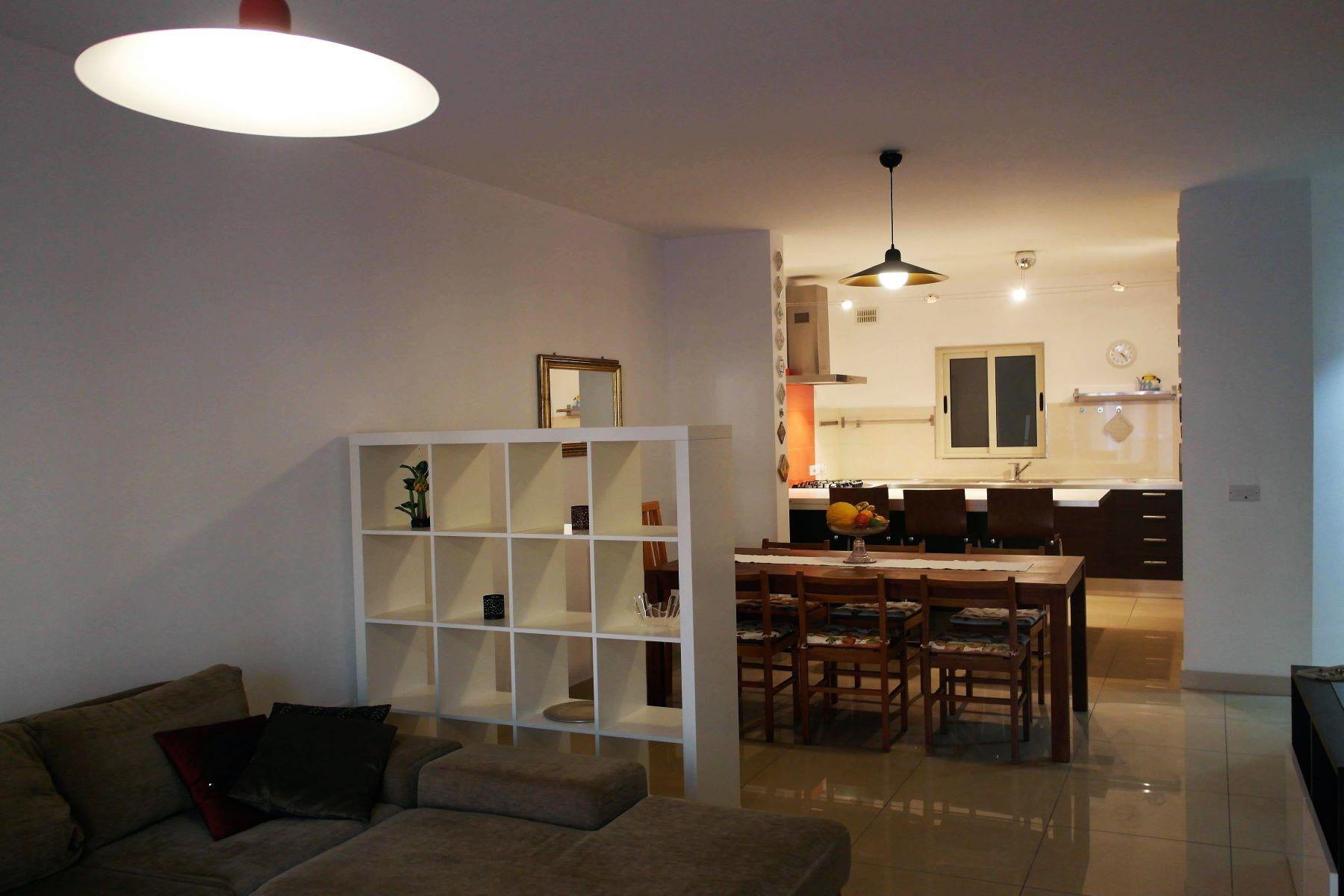 Apartamento por un Alquiler en Modern Apartment Gzira, Malta