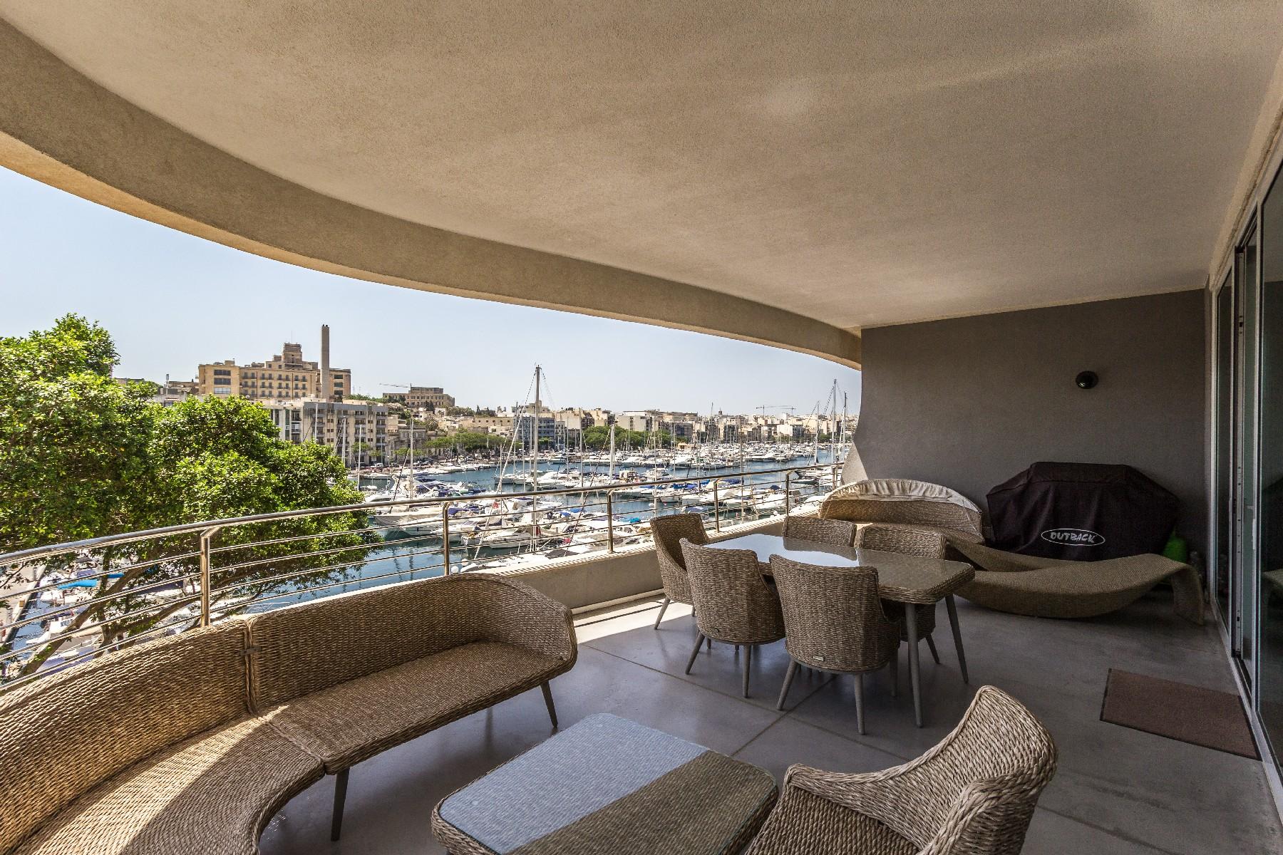 Apartment for Sale at Marina View Apartment Ta' Xbiex, Malta