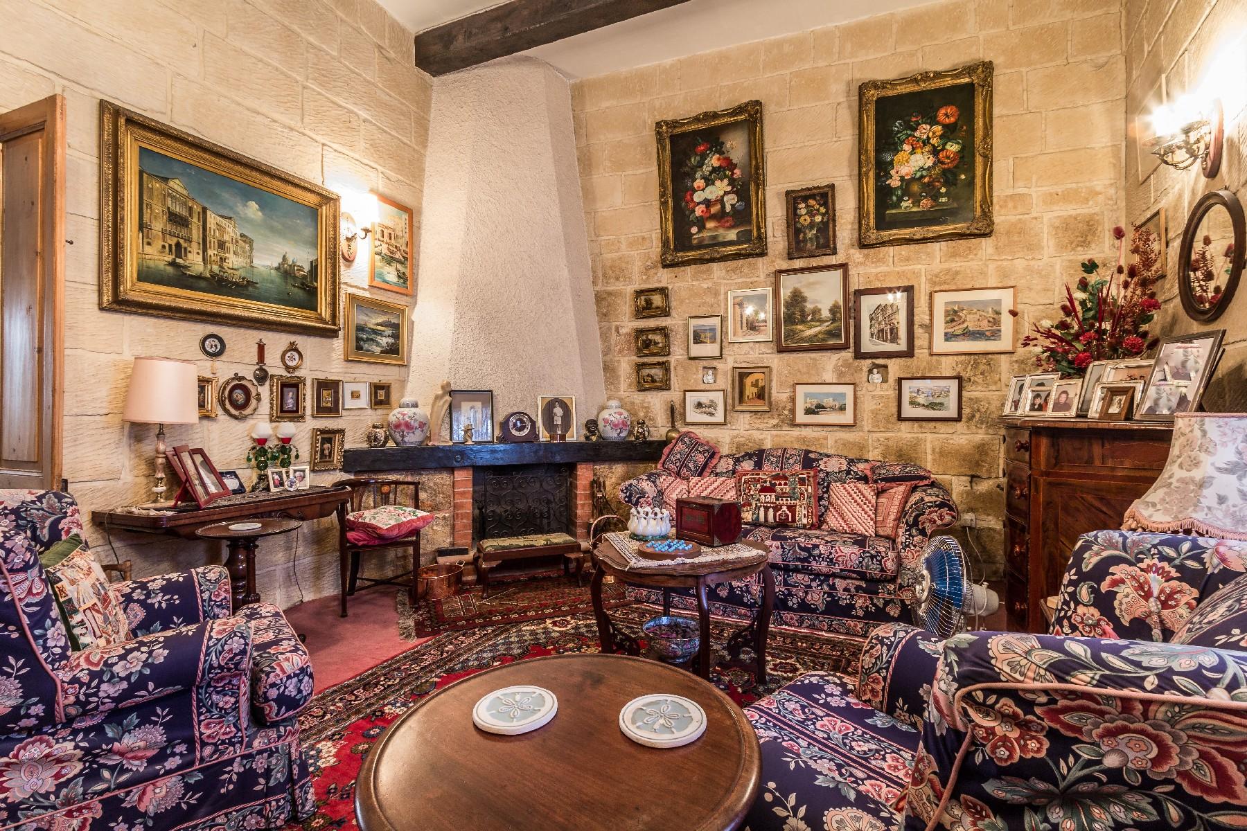 Таунхаус для того Продажа на Charming Town House Naxxar, Мальта