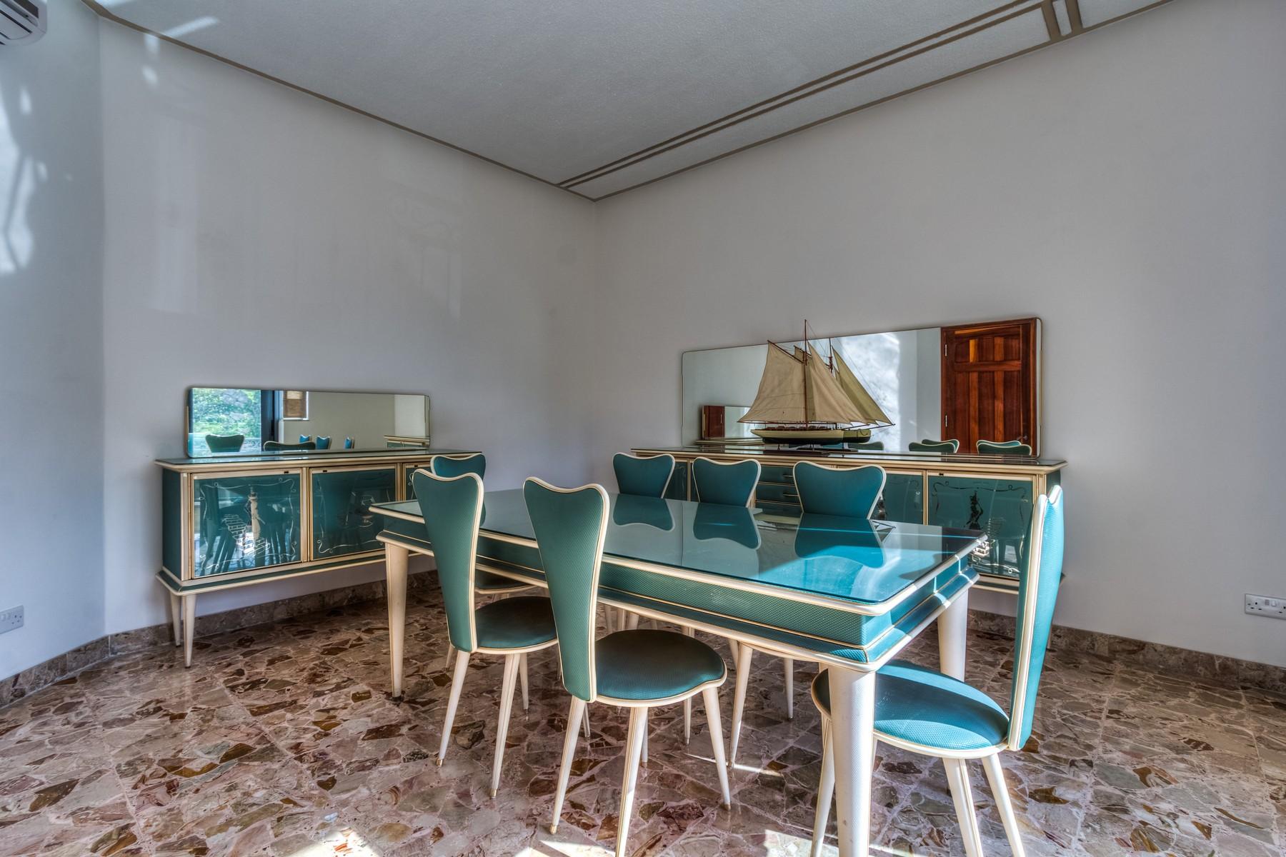 Частный односемейный дом для того Продажа на Fully Detached Villa Ta' Xbiex, Мальта