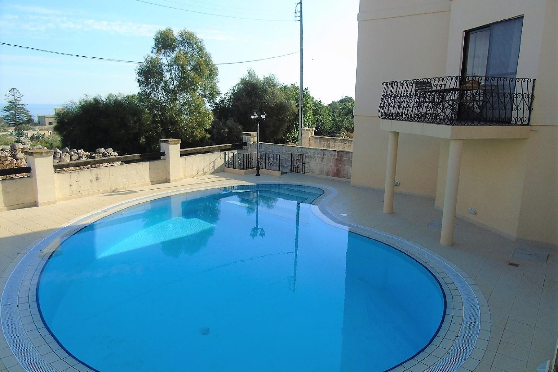 واحد منزل الأسرة للـ Rent في Semi Detached Villa Madliena, Malta