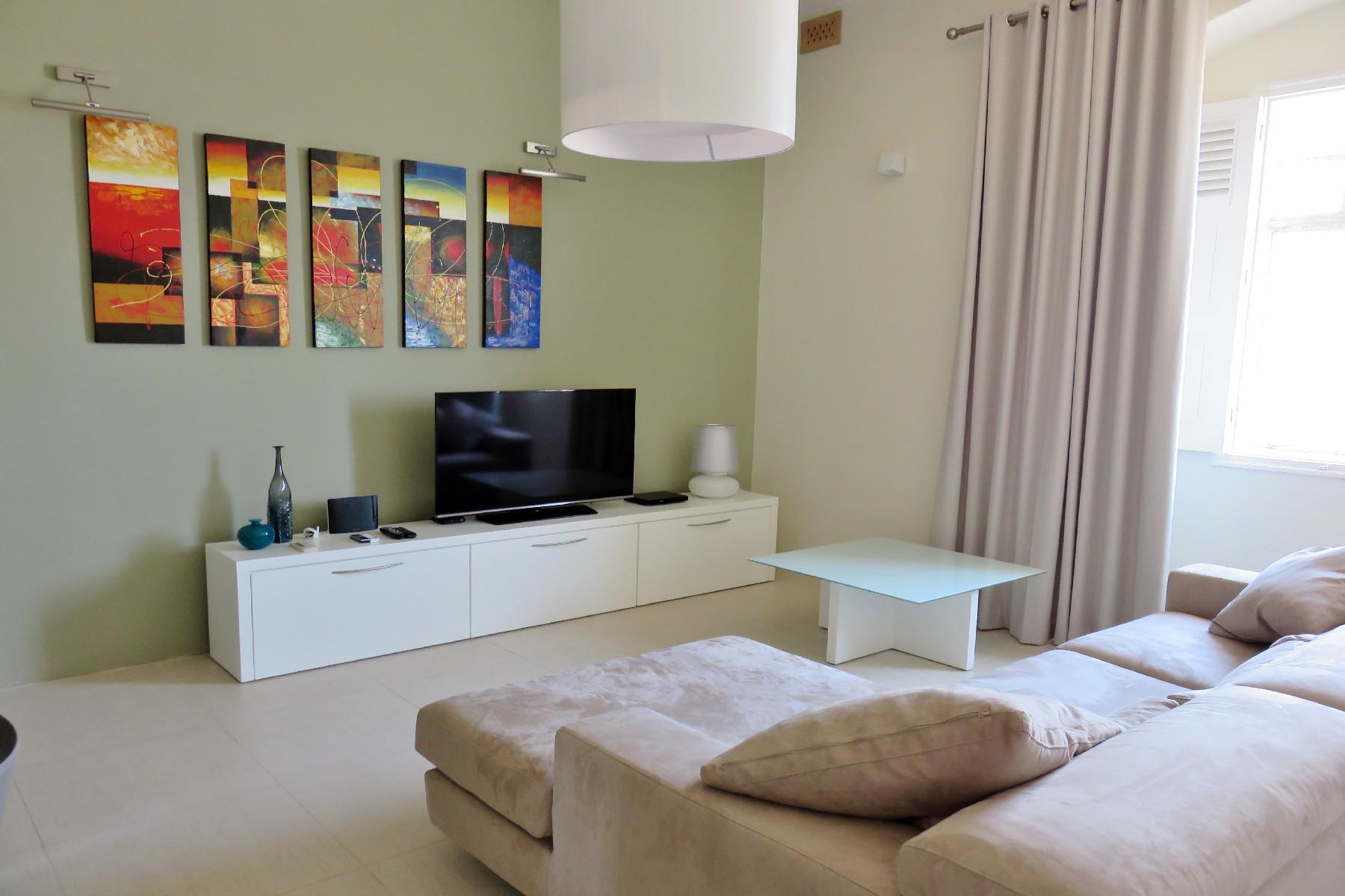 شقة للـ Rent في Highly Converted Apartment Valletta, Malta