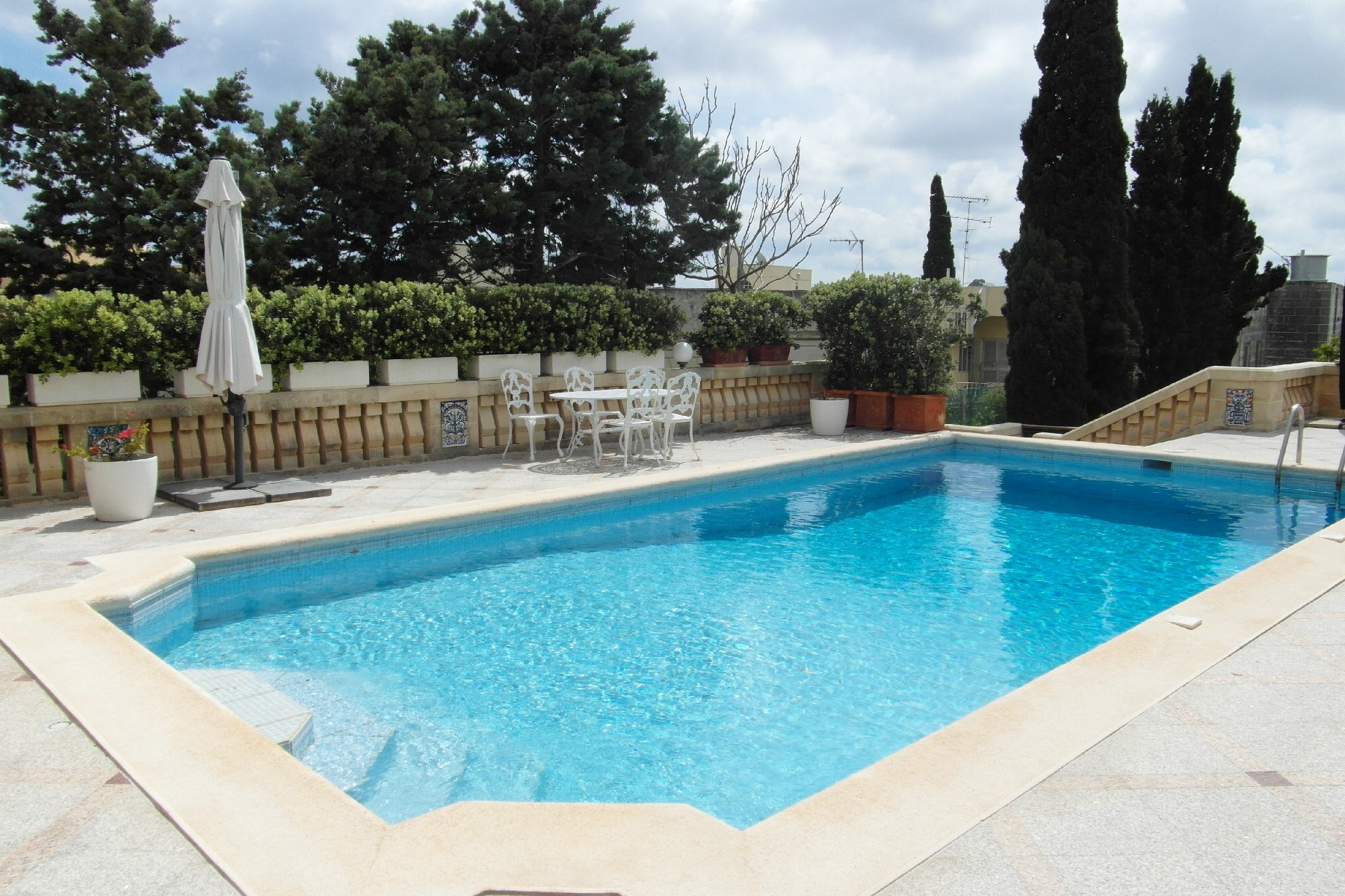 Single Family Home for Rent at Lovely Fully Detached Villa Kappara, San Gwann, Malta