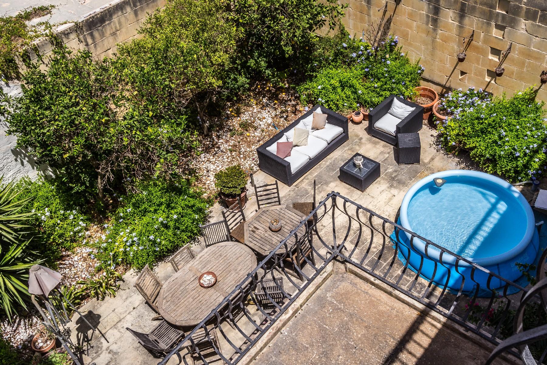 Другая жилая недвижимость для того Продажа на Converted House of Character Naxxar, Мальта