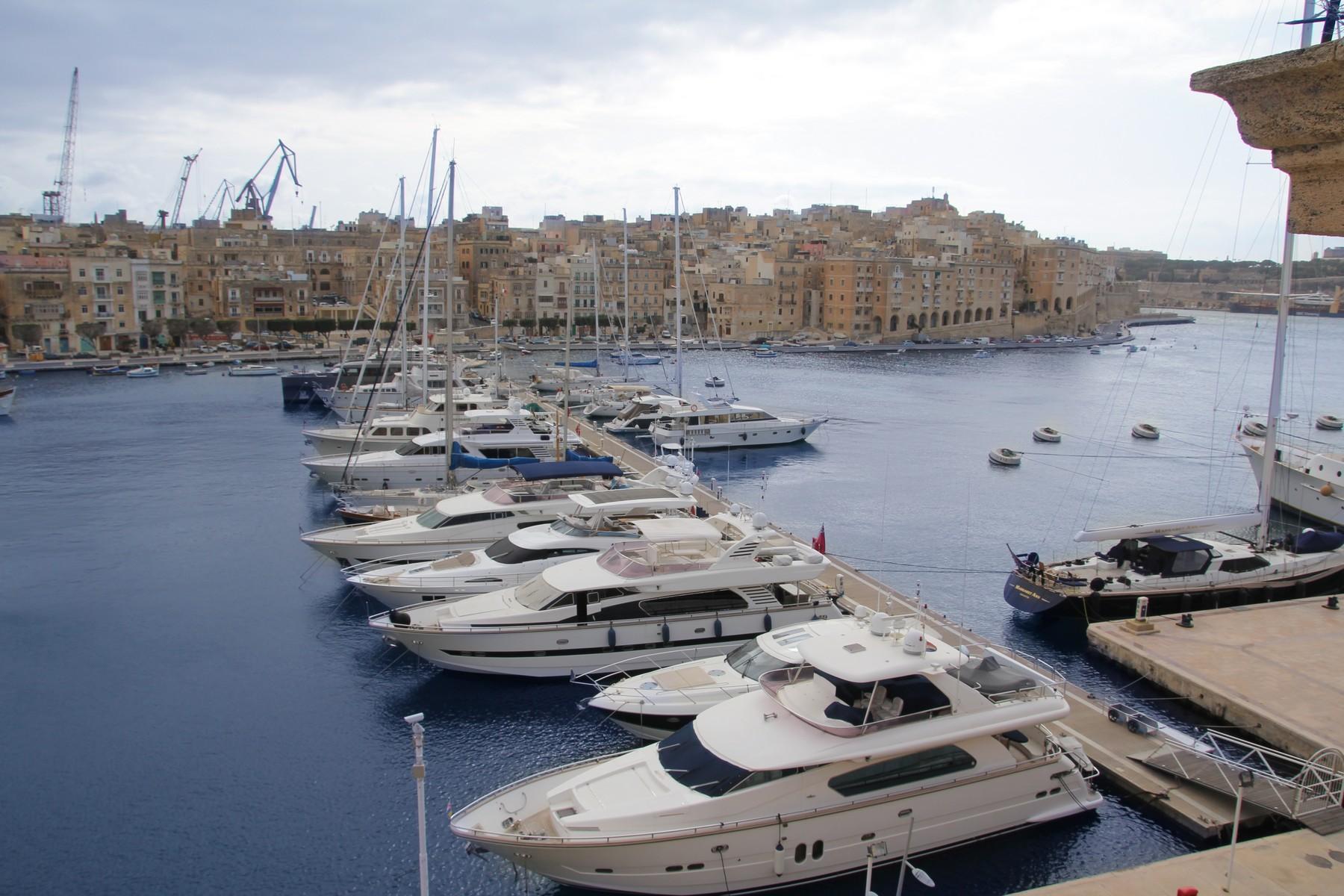 Apartment for Sale at Charming Marina Apartment Vittoriosa, Malta