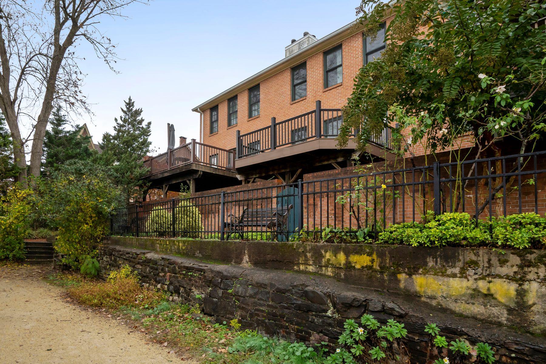 Property のために 売買 アット Lambertville, ニュージャージー 08530 アメリカ