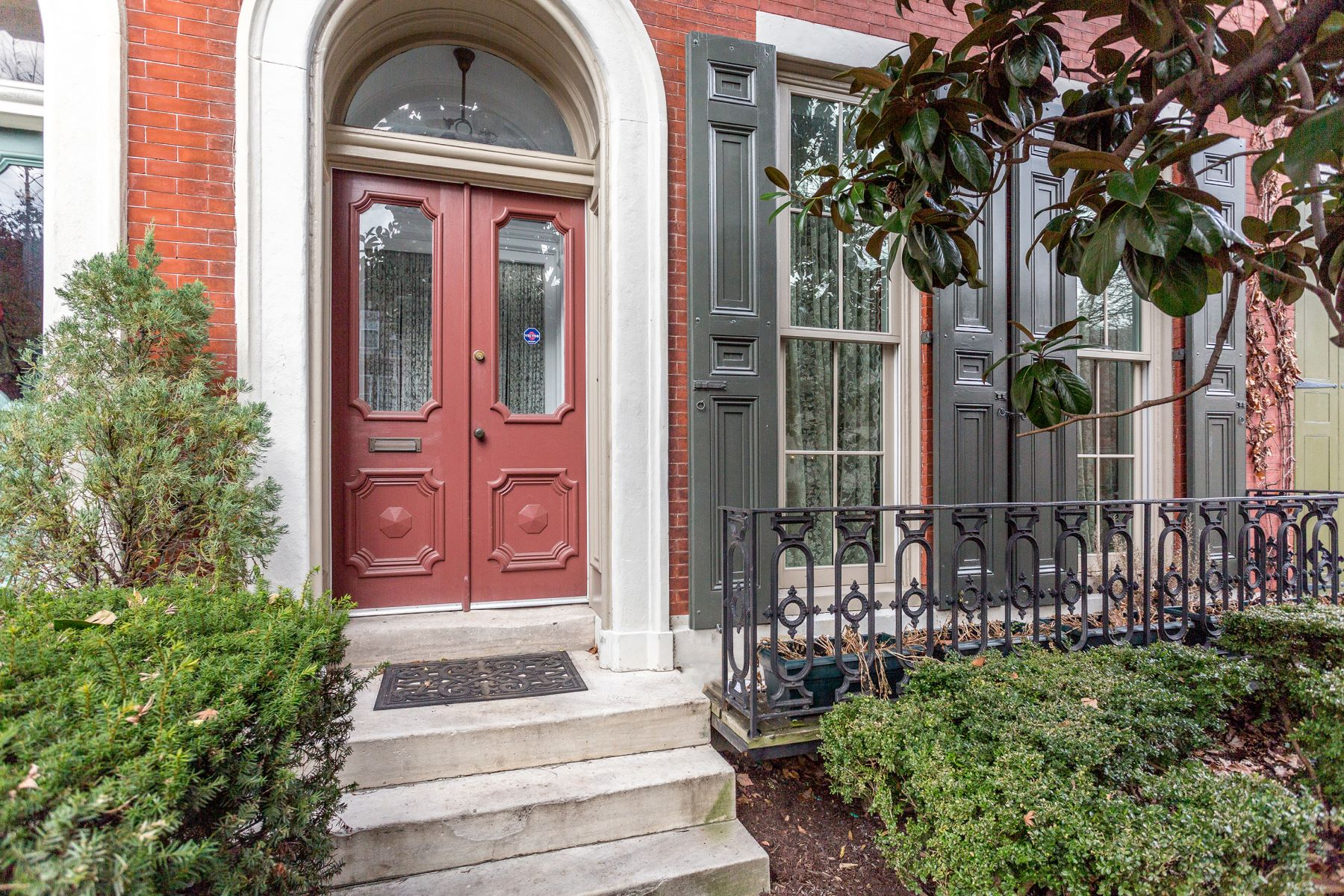 Single Family Home for Sale at 2125 Green St 2125 GREEN ST Philadelphia, Pennsylvania 19130 United States