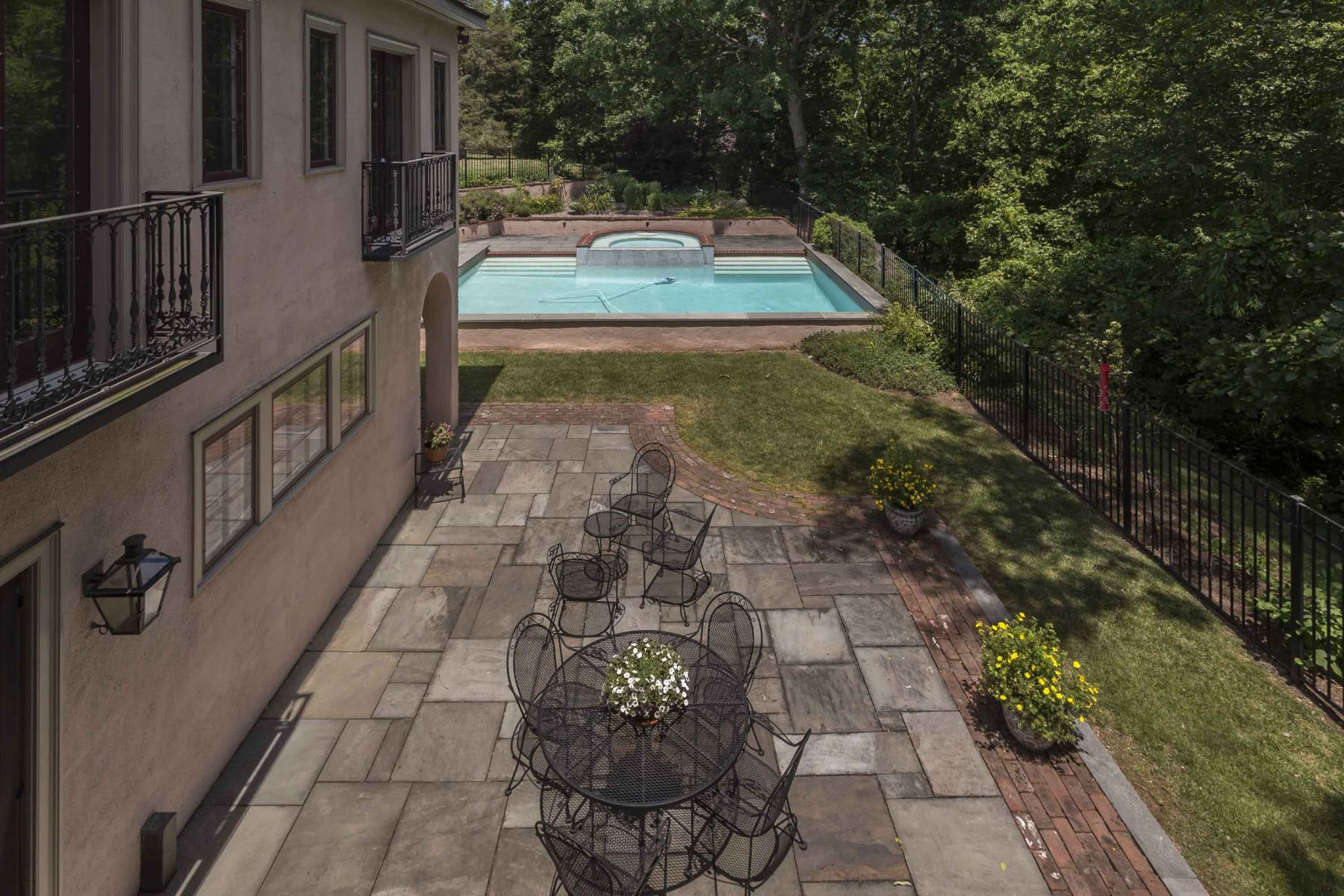 Additional photo for property listing at 2577 Township Rd  Quakertown, Pennsylvania 18951 United States