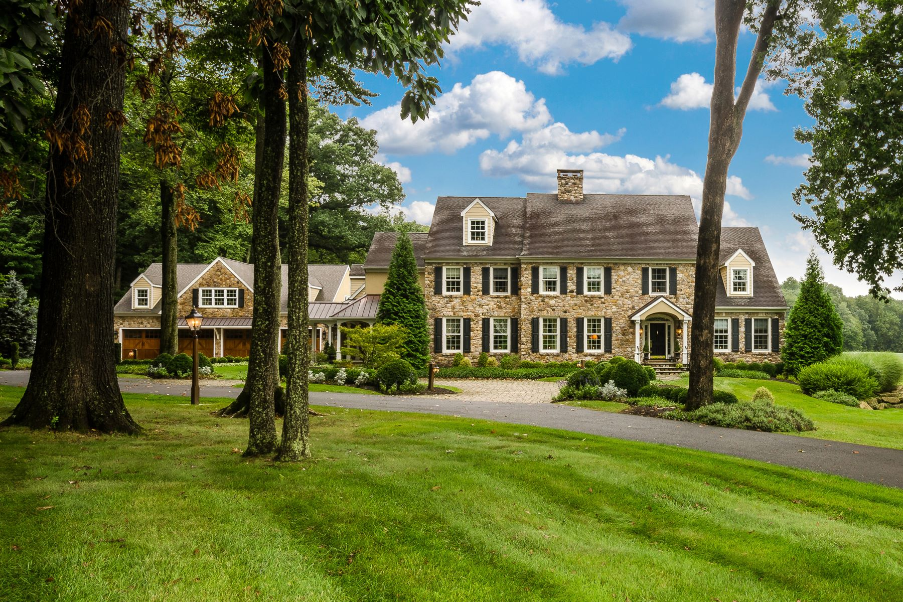 Single Family Home for Sale at 5548 Indian Ridge Rd Doylestown, Pennsylvania 18902 United States